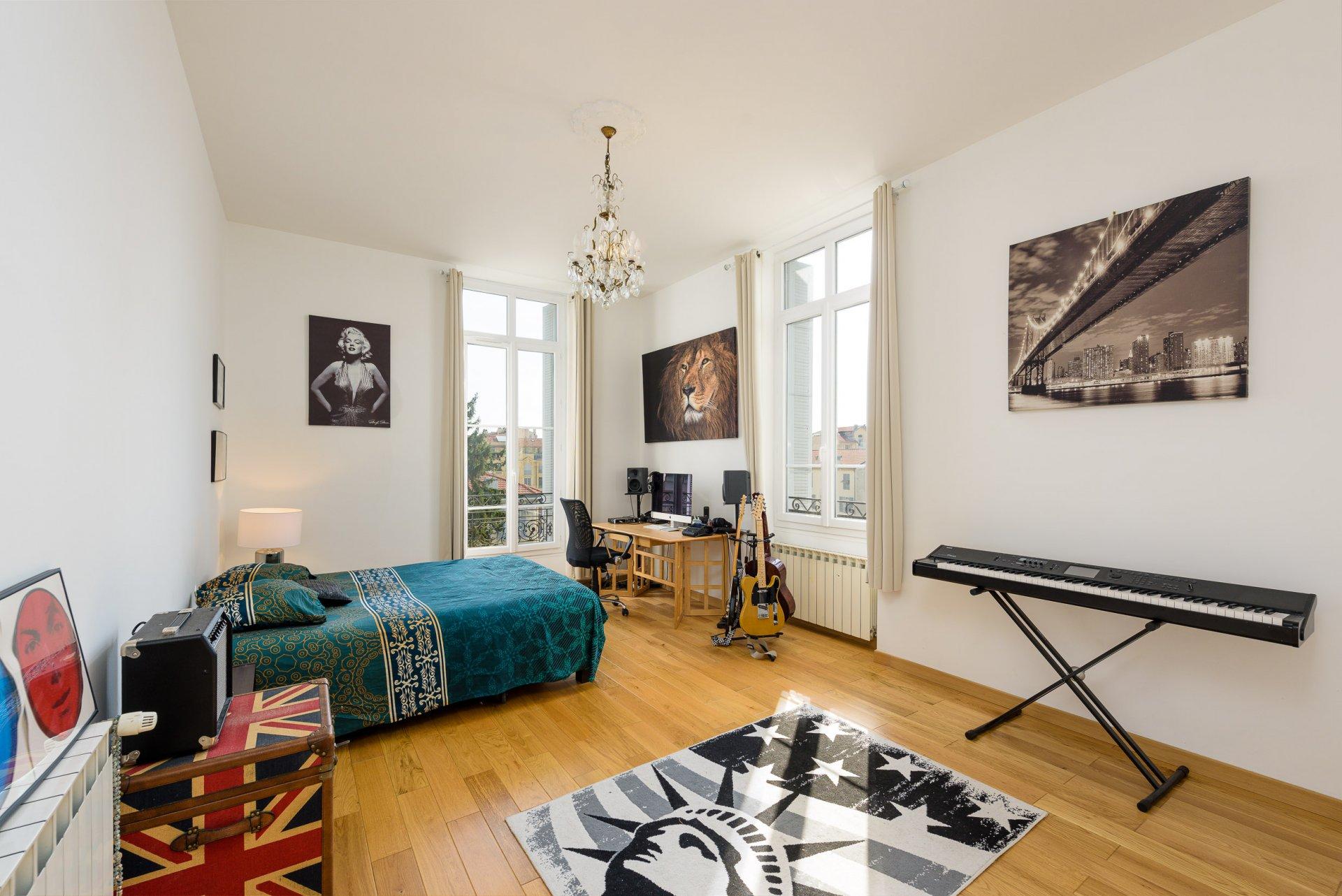 Nice Libération 6p  chambre