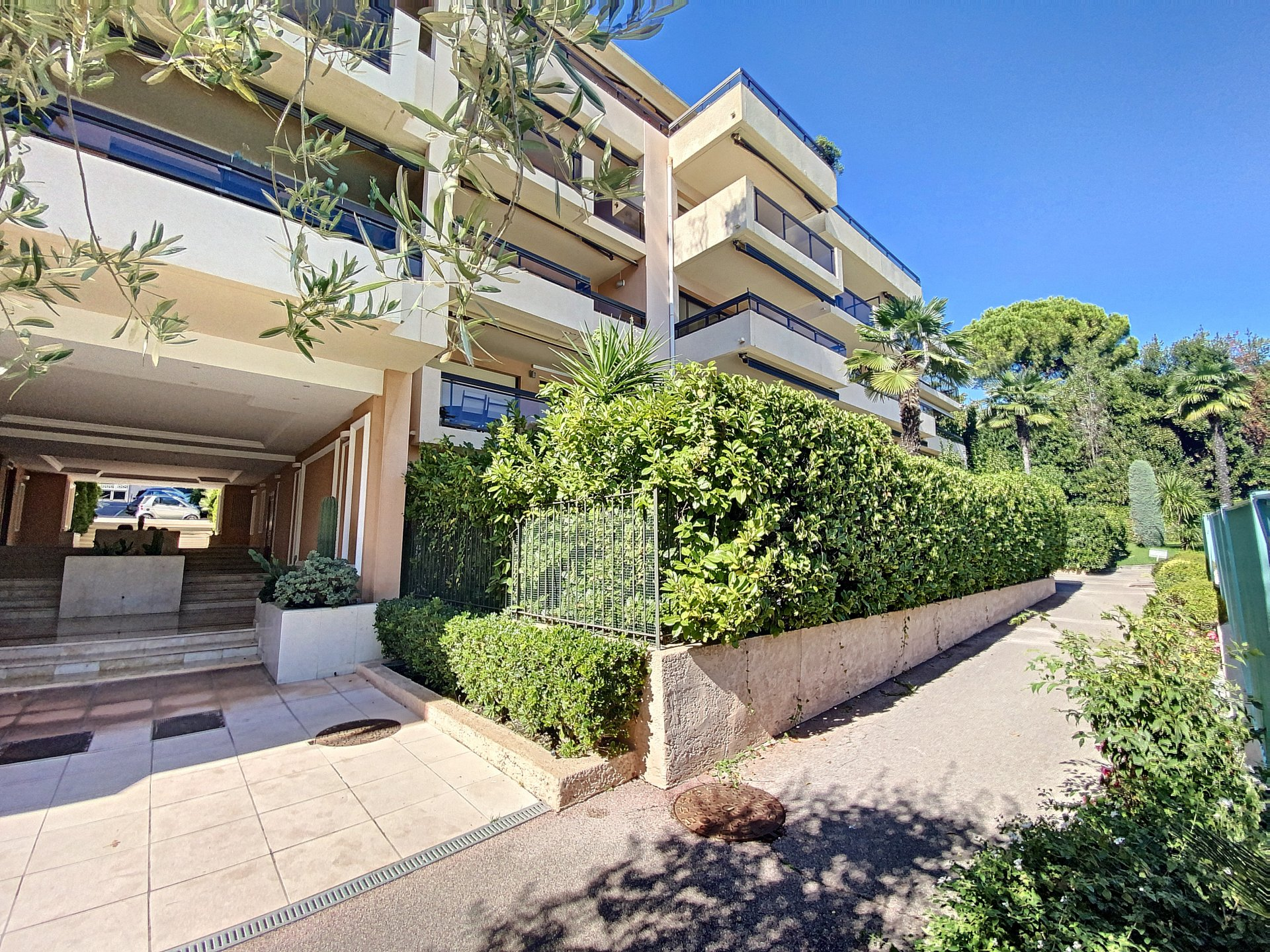 cannes Montrose 3p 76 m2 high floor luxury residence