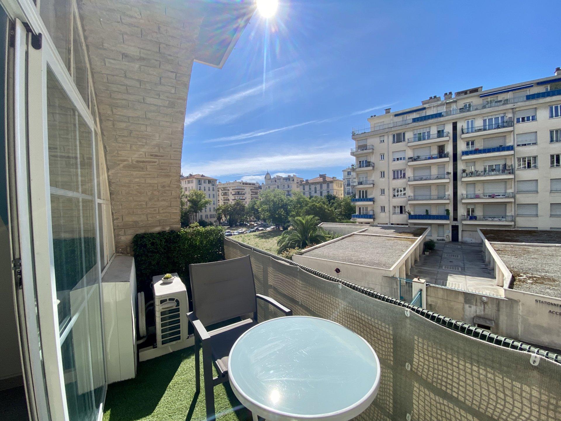 Försäljning Lägenhet - Nice Parc Impérial