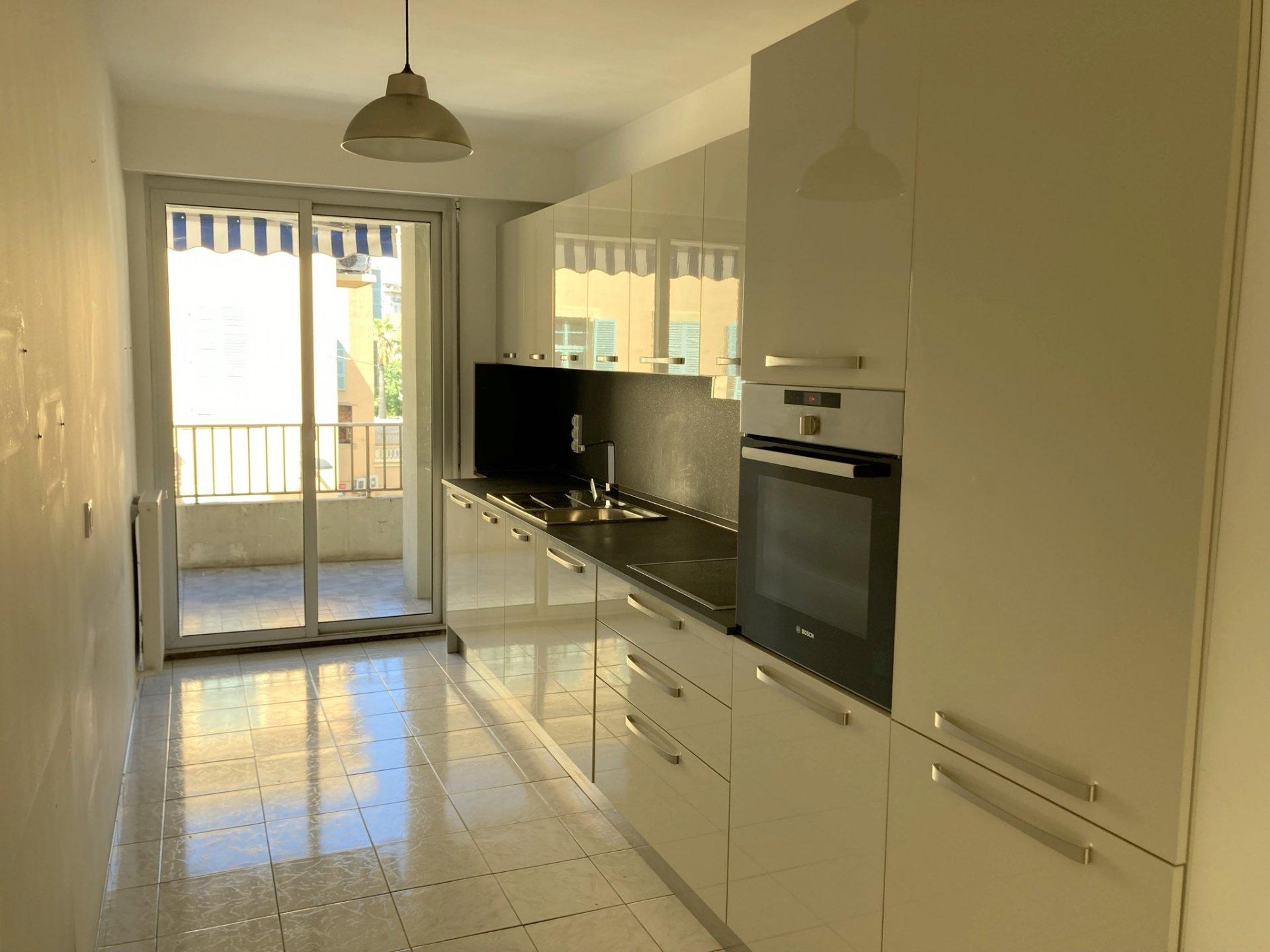 Location Nice, 2 pièces 60.30m² avec terrasse situé secteur  Garibaldi