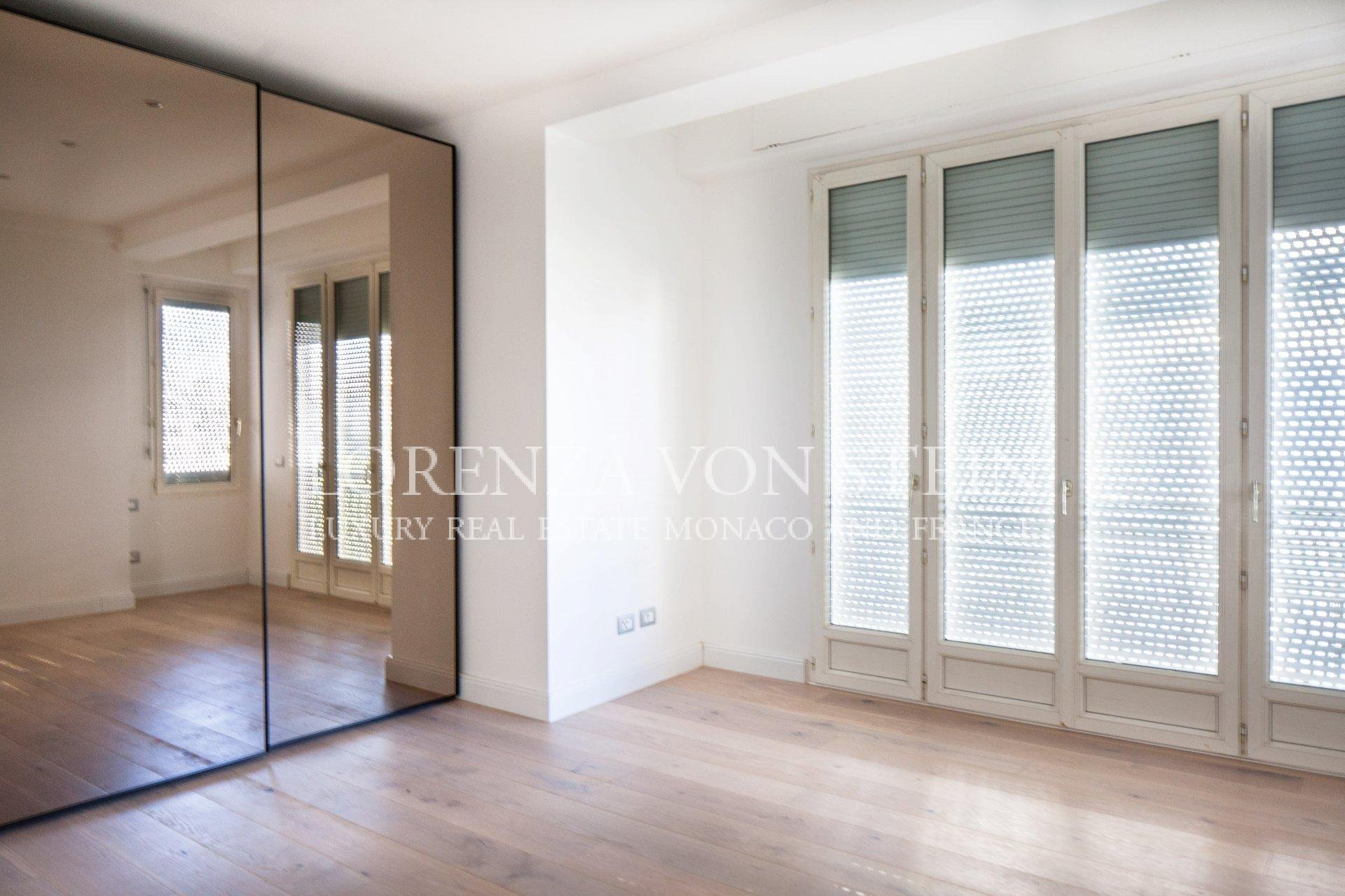 Bd d'Italie - Two Bedroom Penthouse Apartment