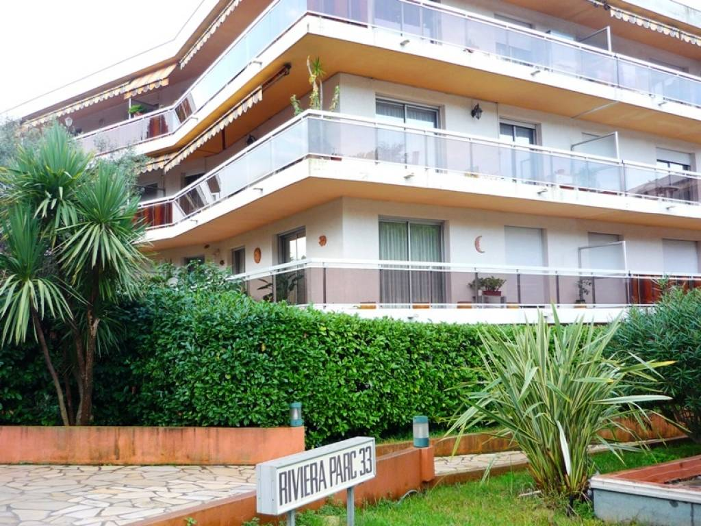 Seasonal rental Apartment - Cagnes-sur-Mer Le Lautin