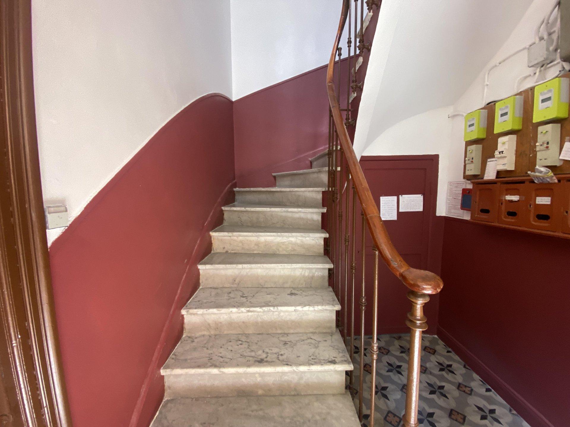Sale Building - Nice Chambrun