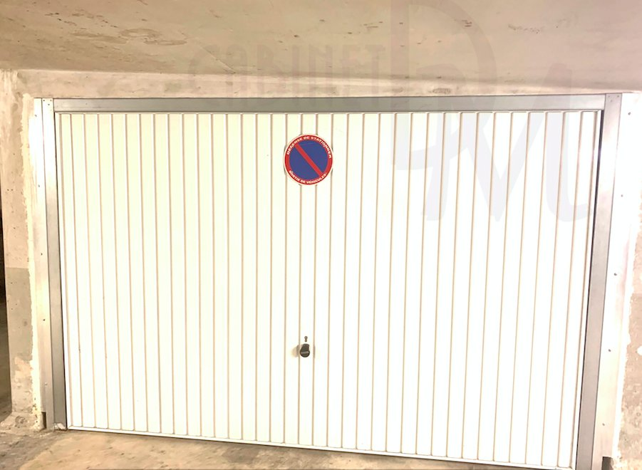 BOX - 16.5m²  -à 5 MIN DE LA MER