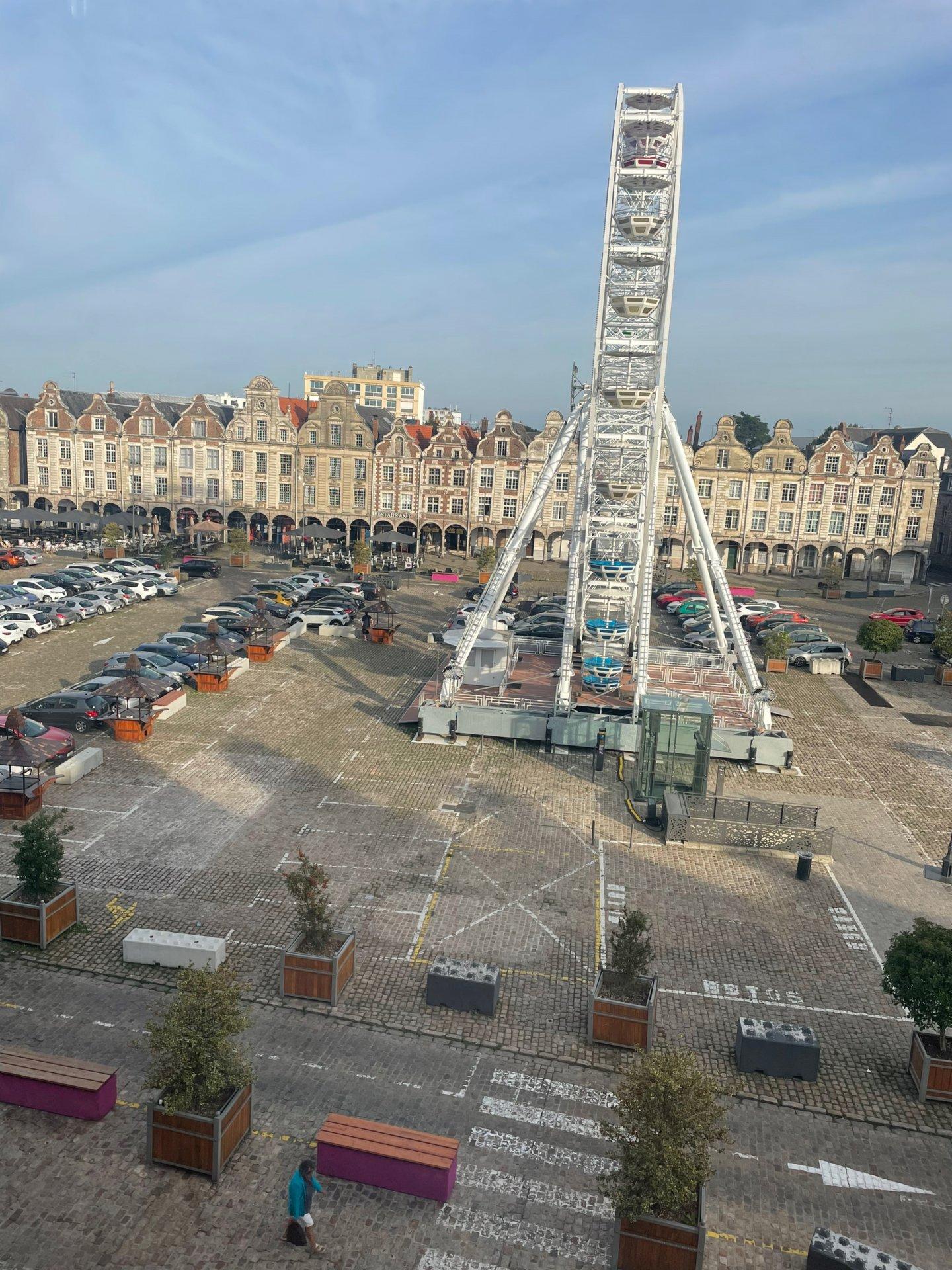 T2 traversant Arras Grand'Place