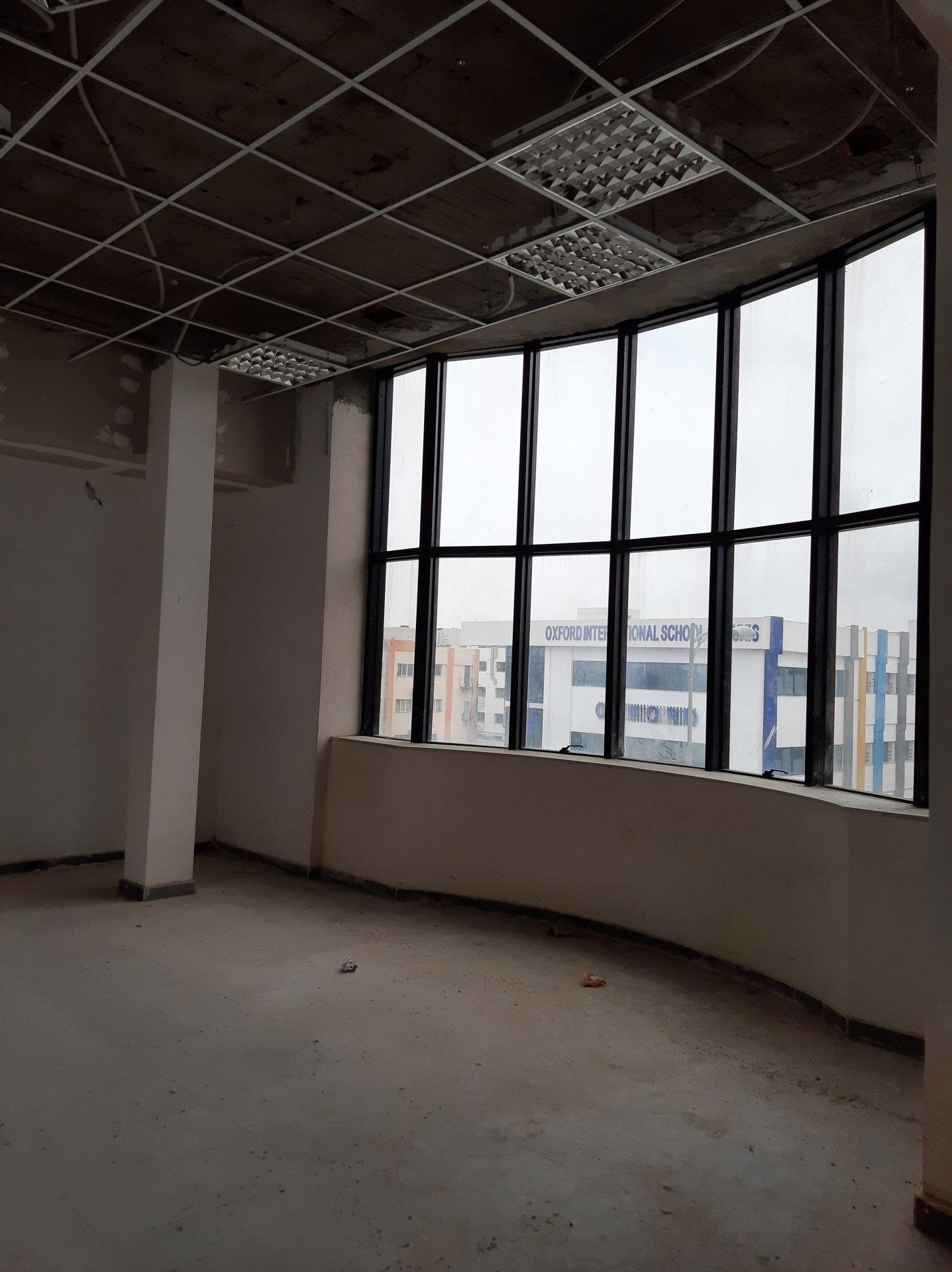 Location immeuble de bureaux inachevé au Lac 3