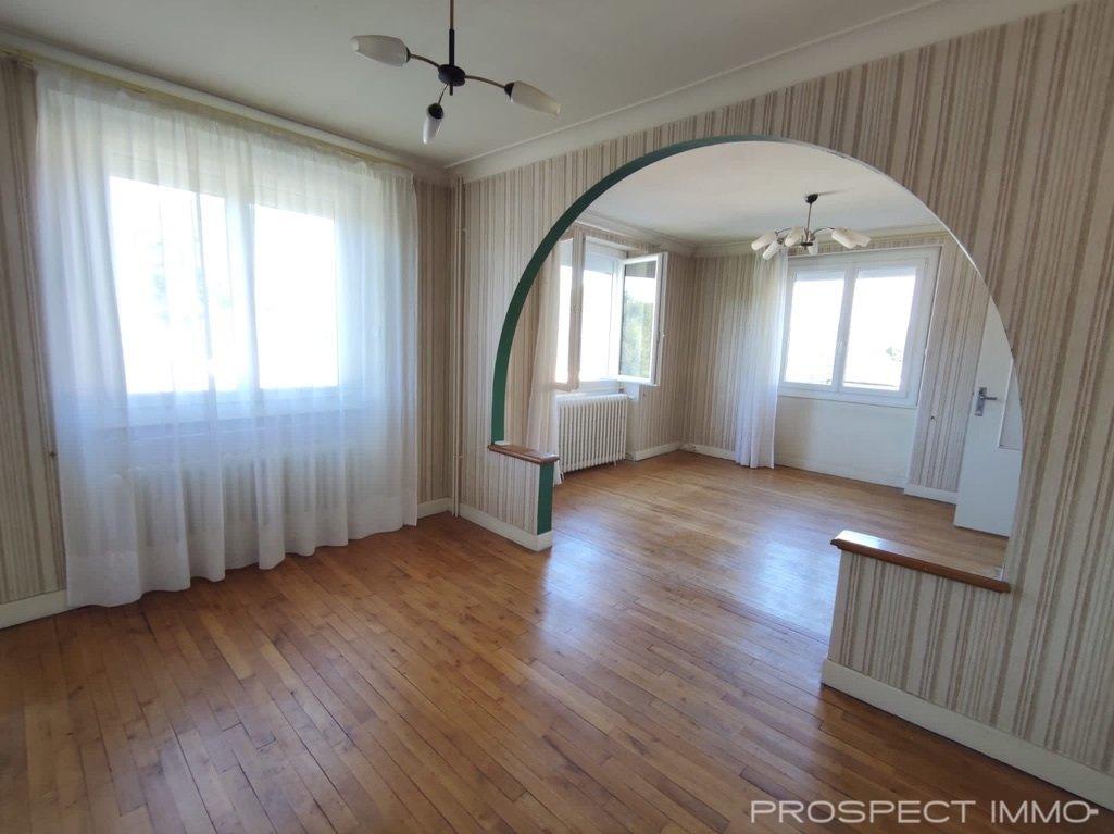 Maison 5 pièces + appartement 2 pièces