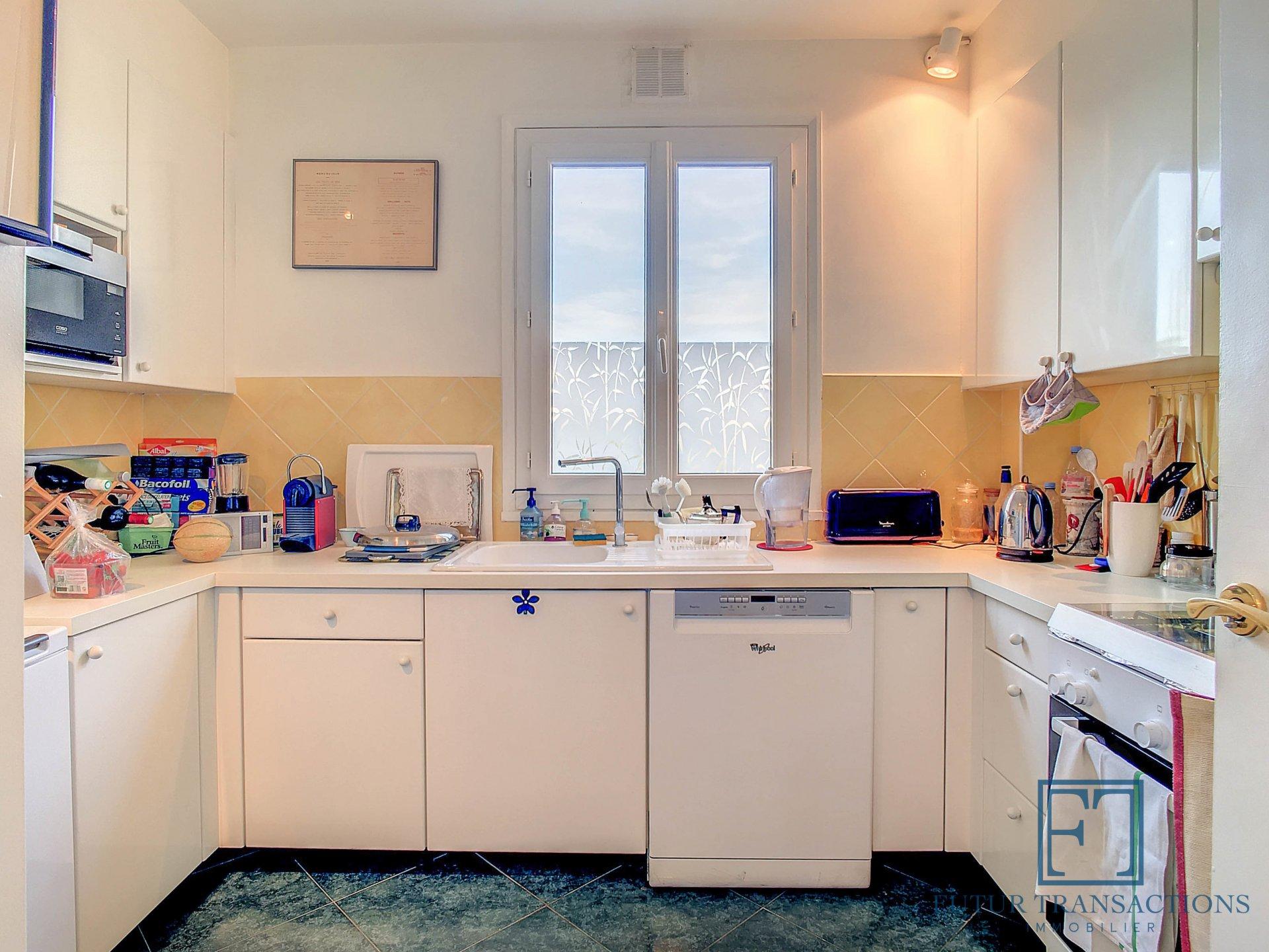 Appartement lumineux et fonctionnel avec accès Roof Top, box et cave
