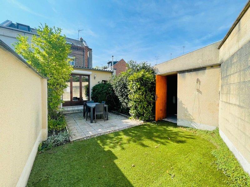 EN EXCLUSIVITE -MAISON AVEC COUR ET GARAGE- 87m2 - 4 pièces – Amiens St Honoré
