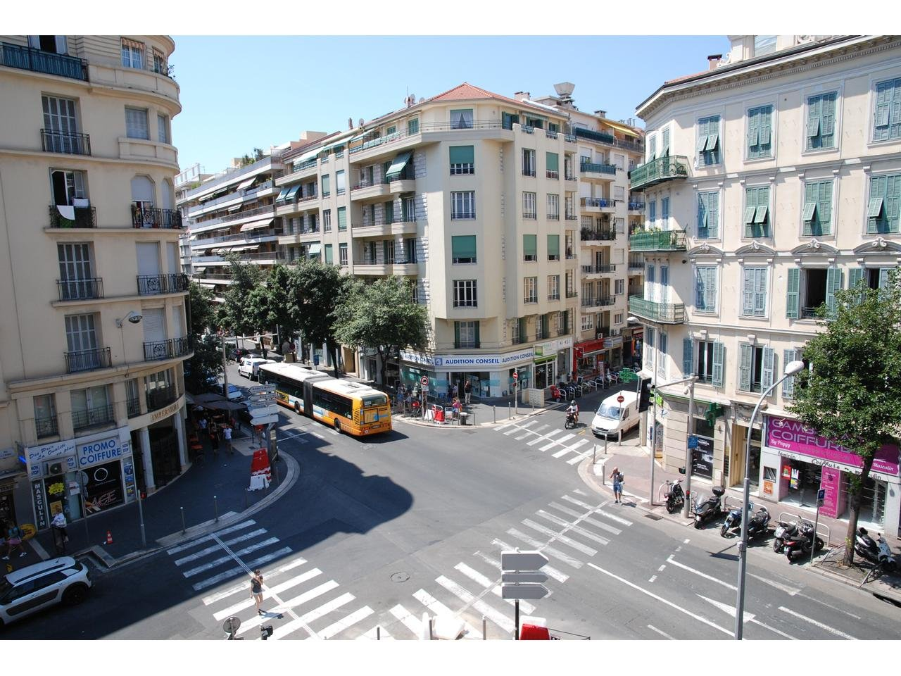 Appartement  3 Rooms 68m2  for sale   675000 €