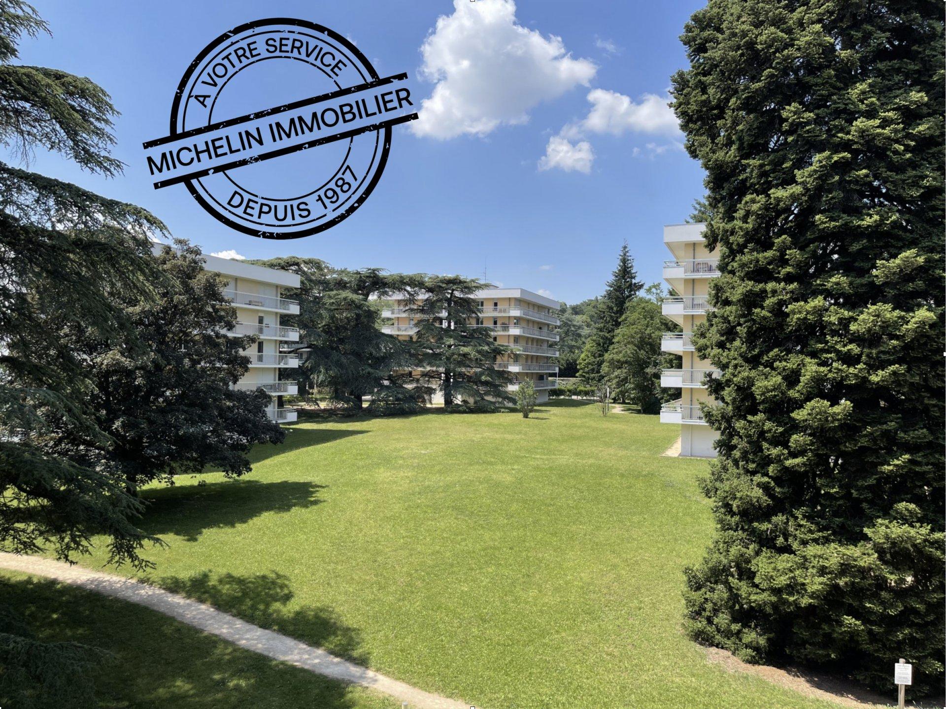 LYON 9 T3 plateau Saint Rambert 76m² balcon 24m²