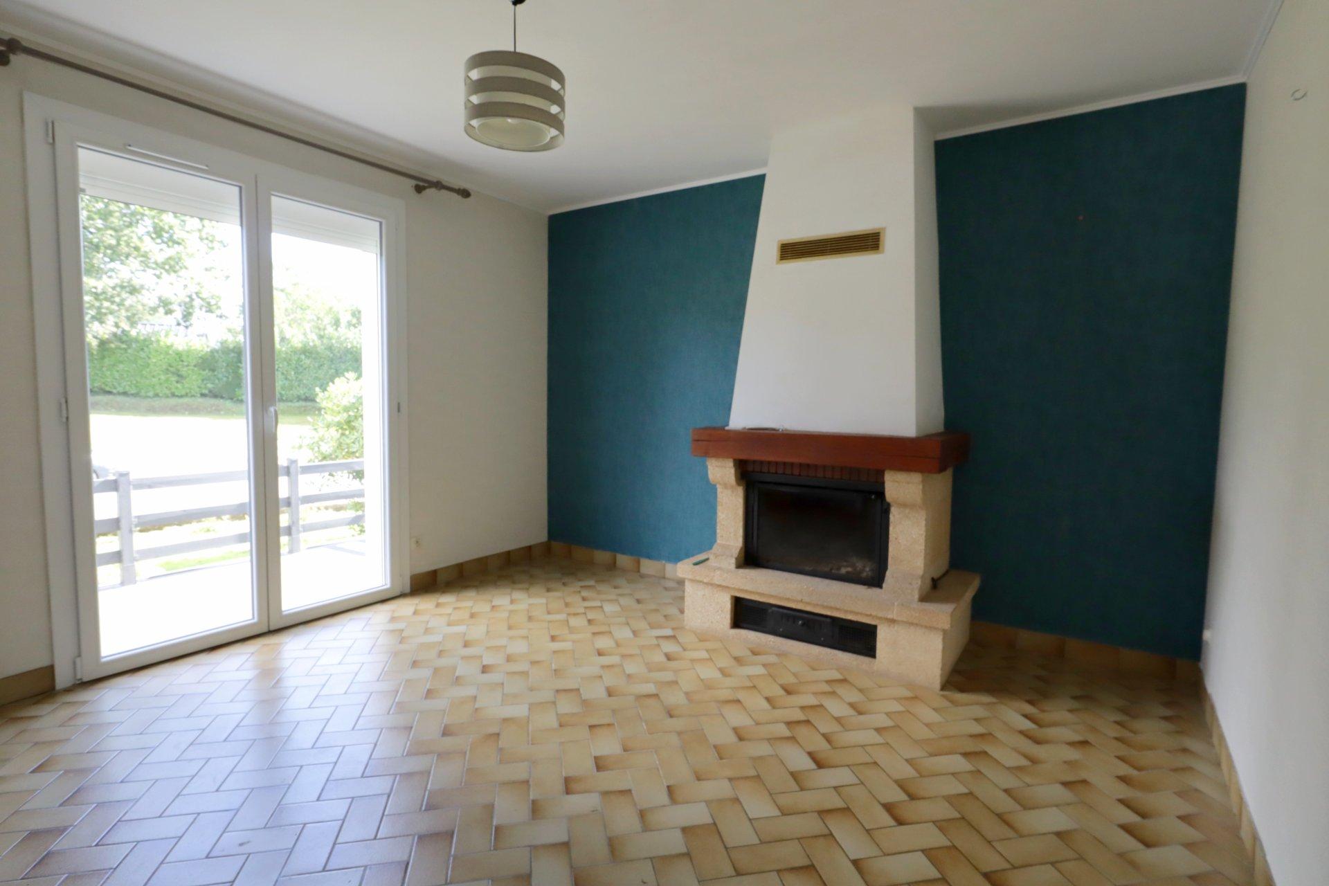 MAEL-CARHAIX 22 :  Maison rénovée