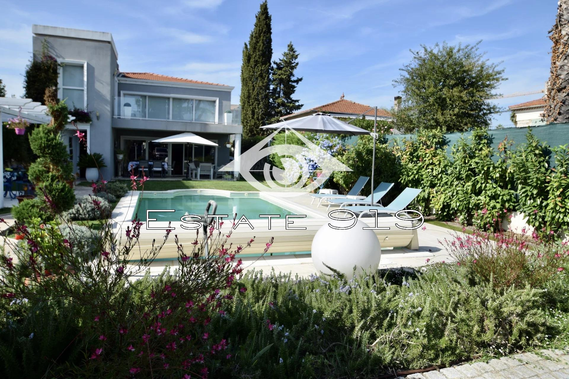 Villa contemporaine proche mer
