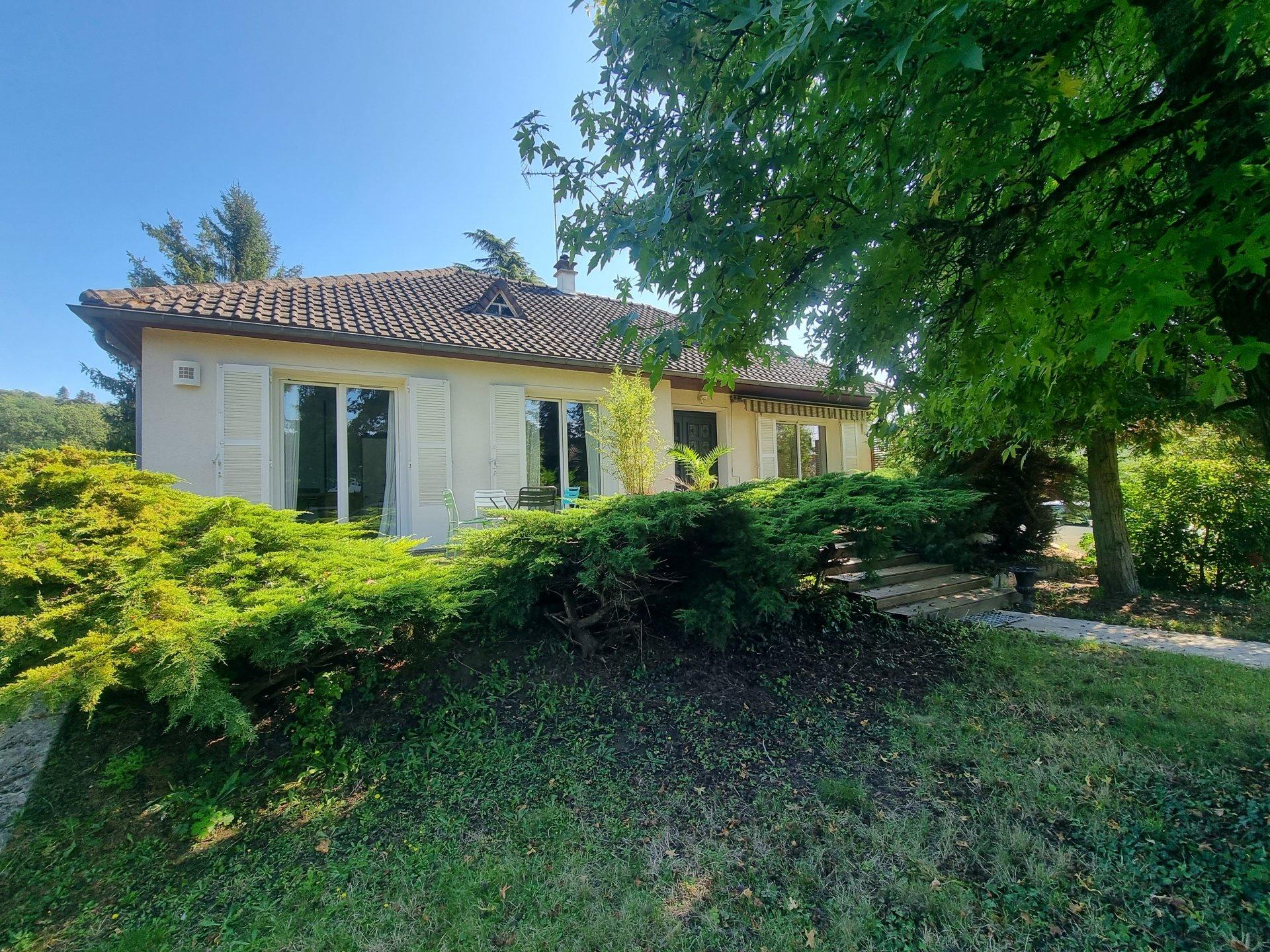 Montigny sur Loing : Maison 7 pièces 140 m2