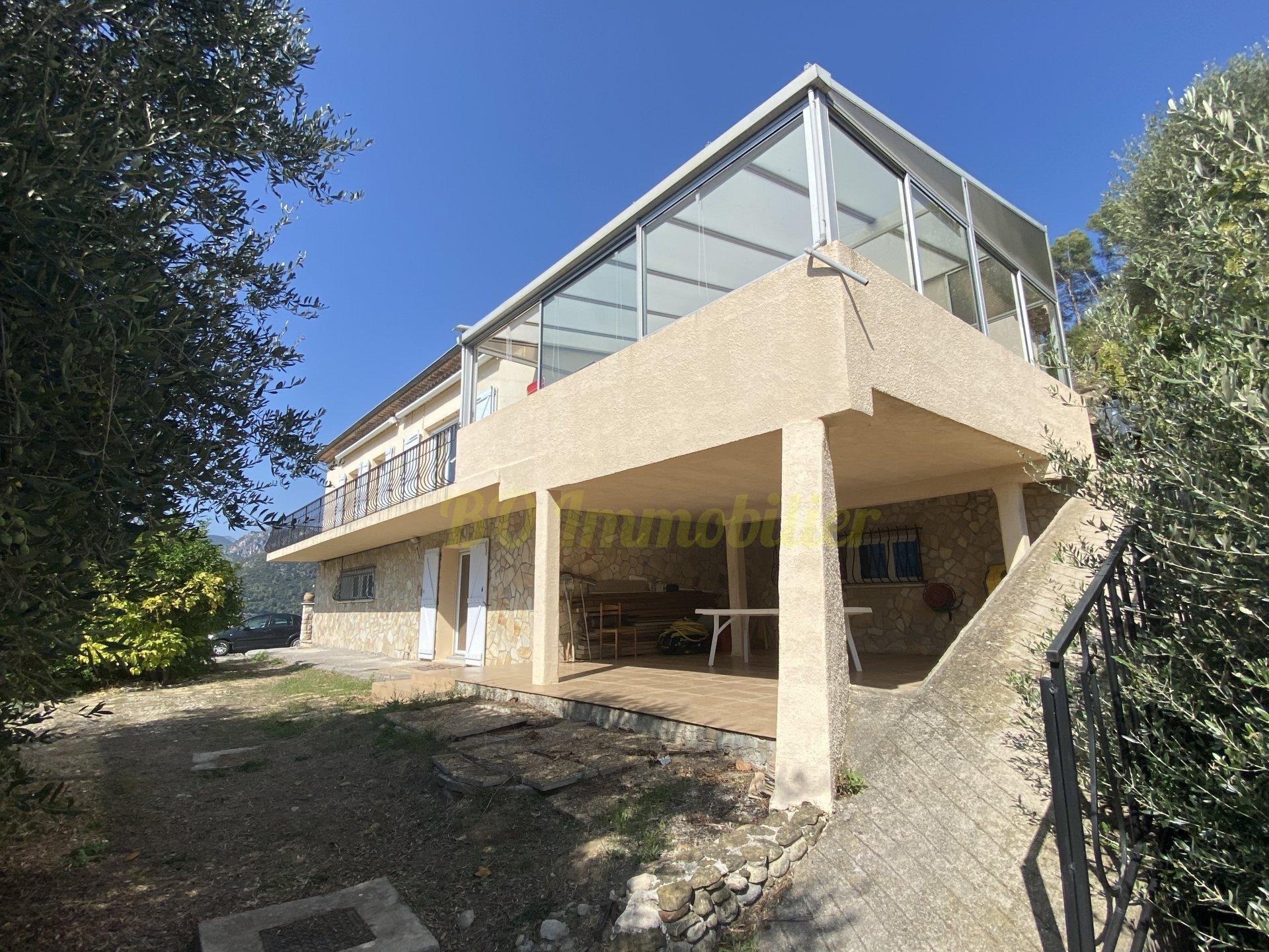 Magnifique maison en exposition sud/ouest édifiée  sur un terrain de 2200m²