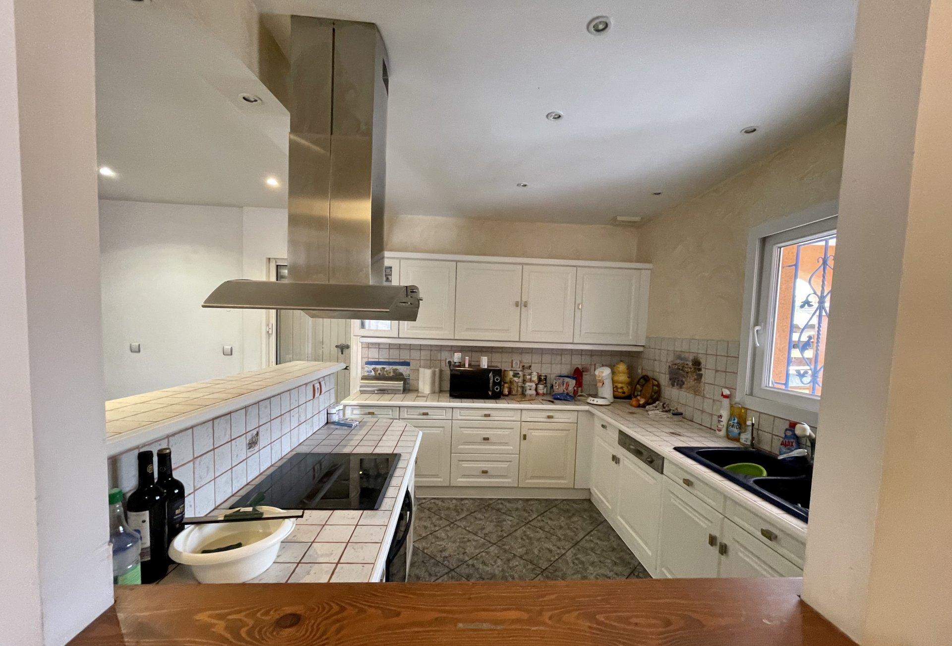 Propriété avec habitation et local professionnel