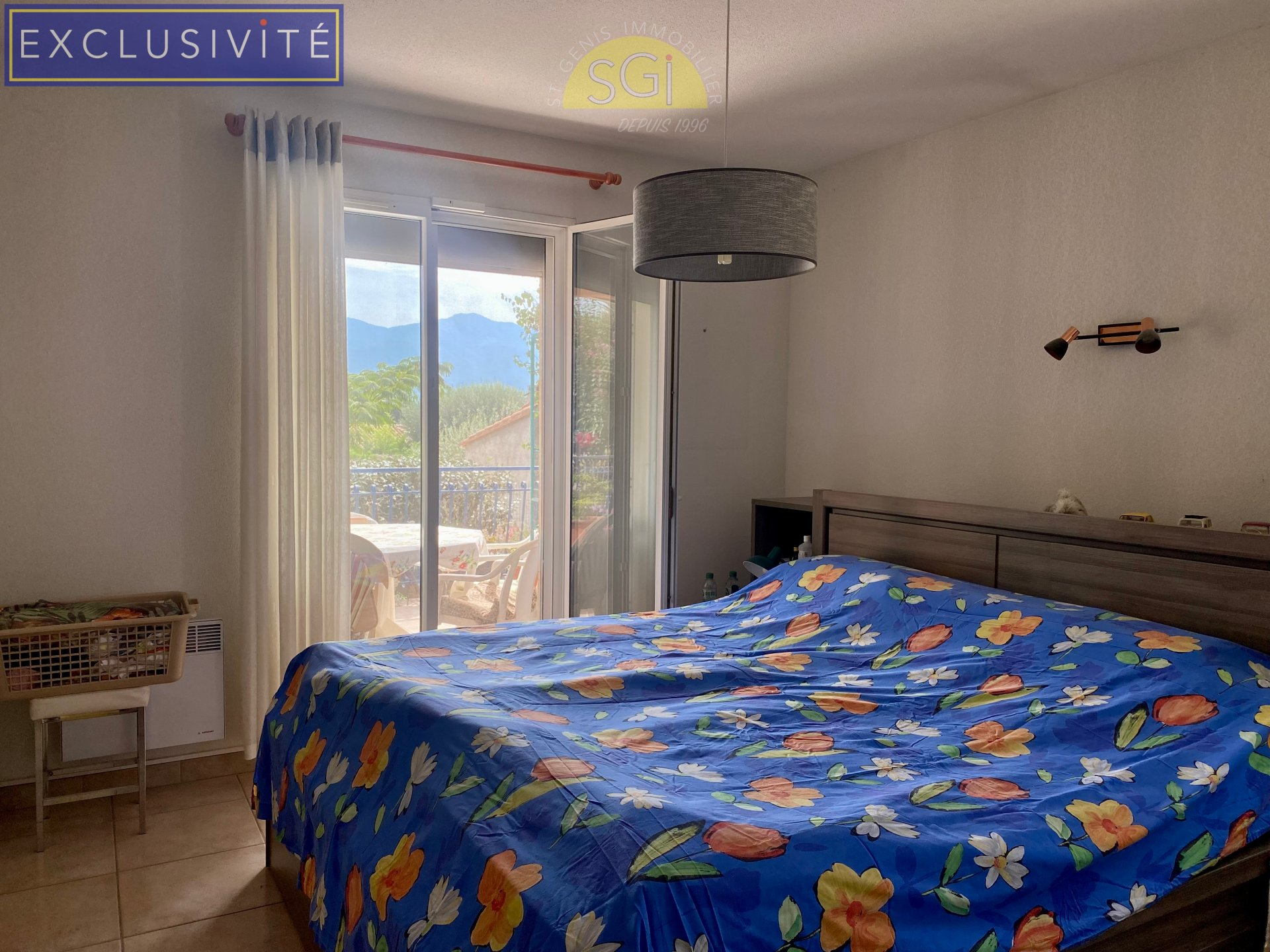 Villa 4 faces de plain pied sur 597 m2 de terrain