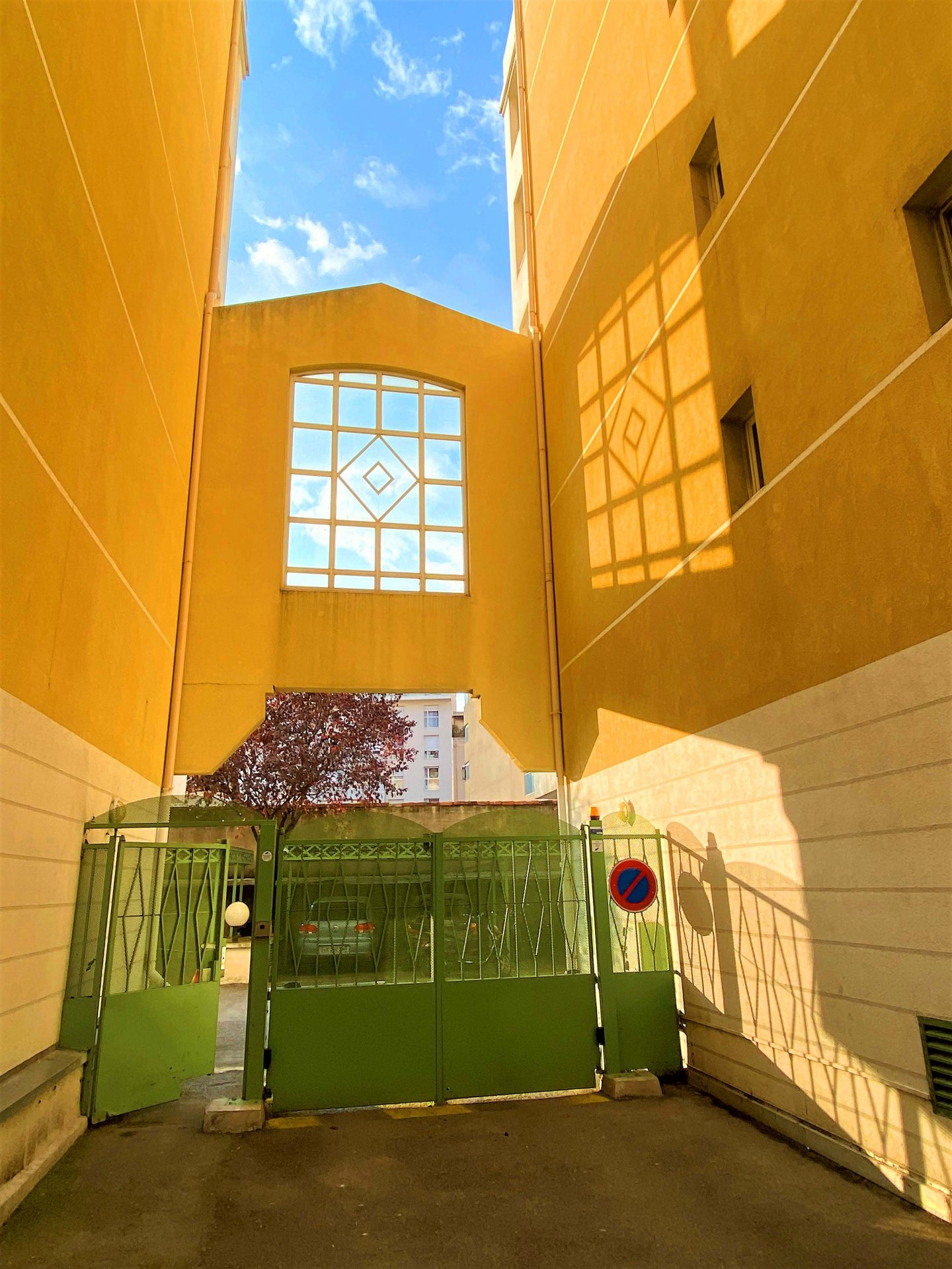 Gare Riquier / St-Jean D'Angely STUDIO 23m² avec balcon