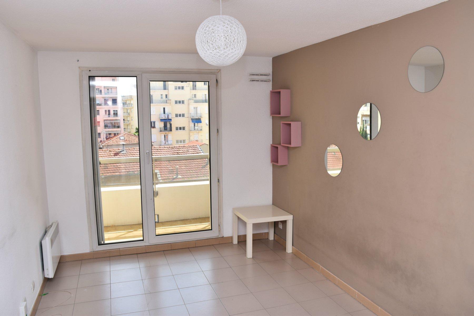 Studio 22 m² à louer Nice ouest, quartier Ferber