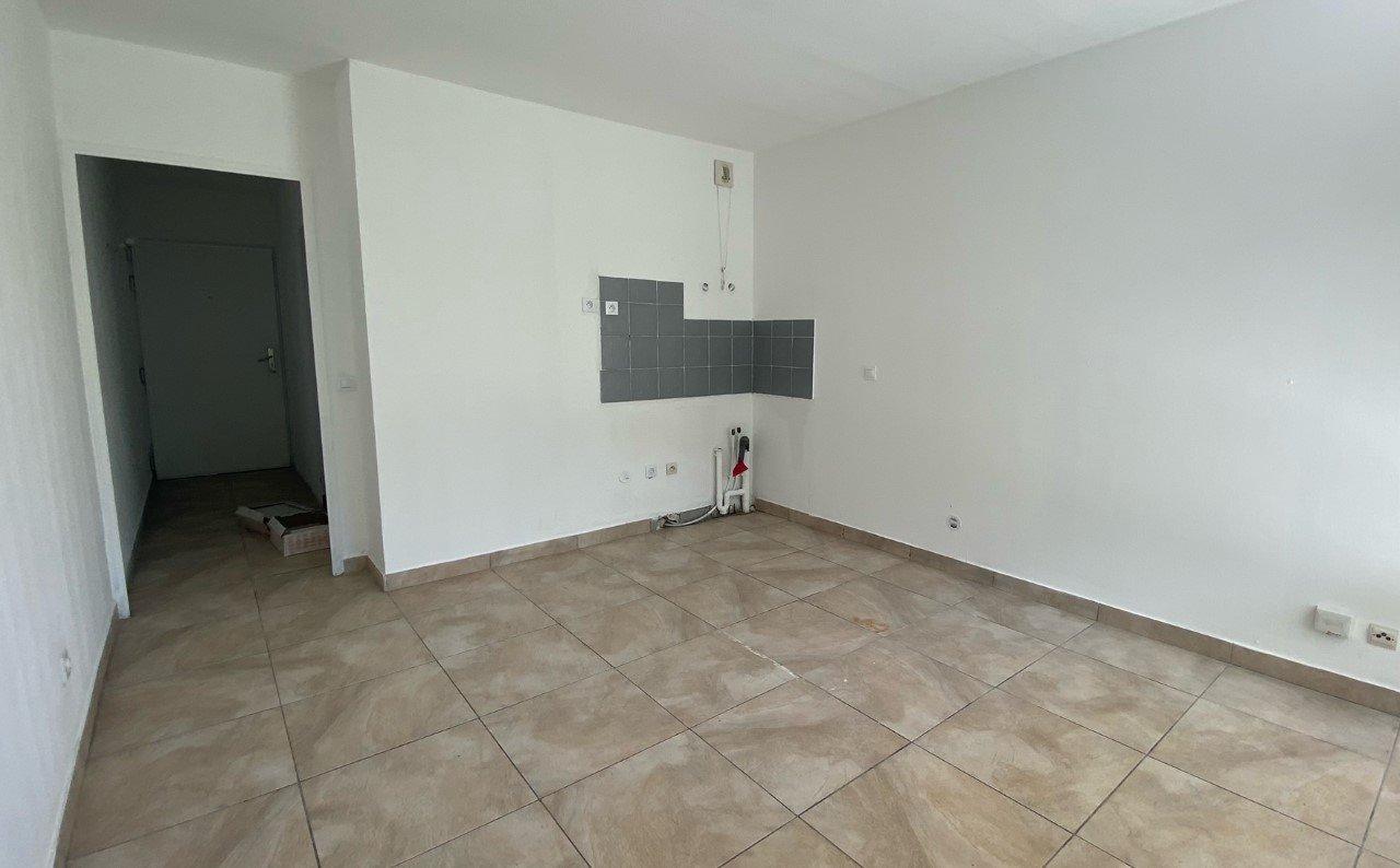 Studio 26 m2 - Terrasse 8 m2 - Proximité mer