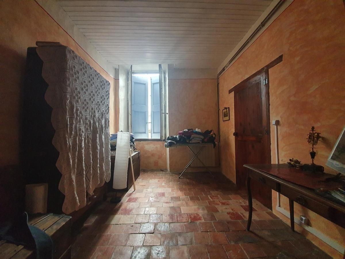 Maison de village 270m² +garage +jardin