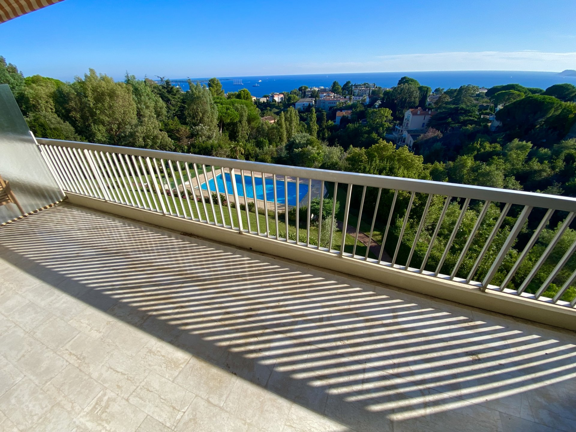 CANNES RESIDENCE STANDING FLAT 2/3 ROOMS PANORAMIC SEA VIEW