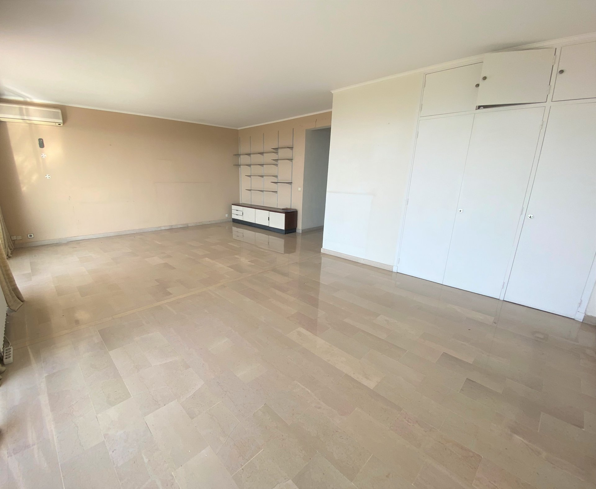 CANNES RESIDENCE STANDING APPARTEMENT 2/3 PIECES VUE MER PANORAMIQUE