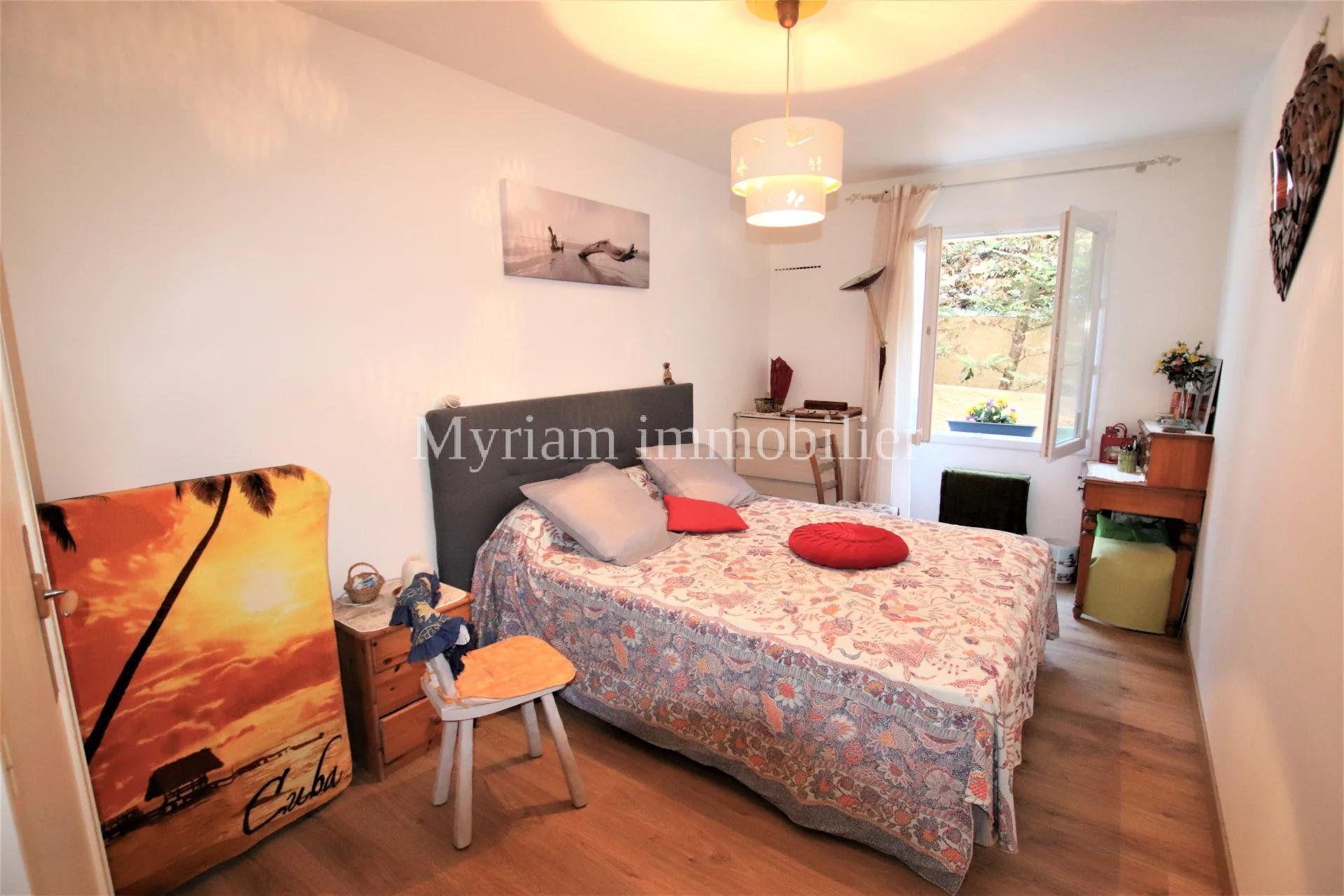 Beautiful 2 room apartment, Close to shops and schools in PEYMEINADE