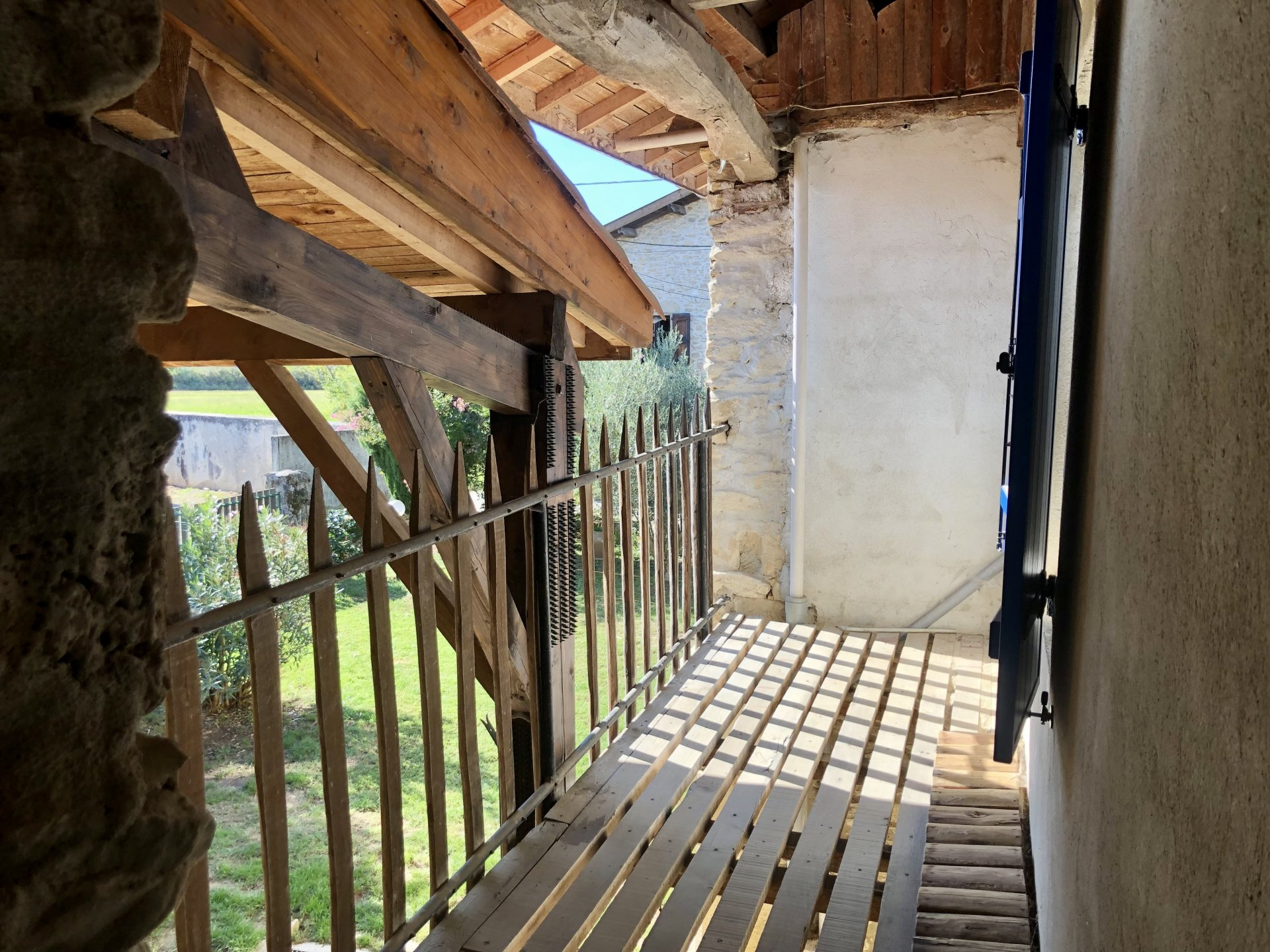 Maison en pierre vue Vercors