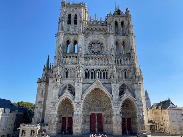 A LOUER APT T3 - Face CATHEDRALE