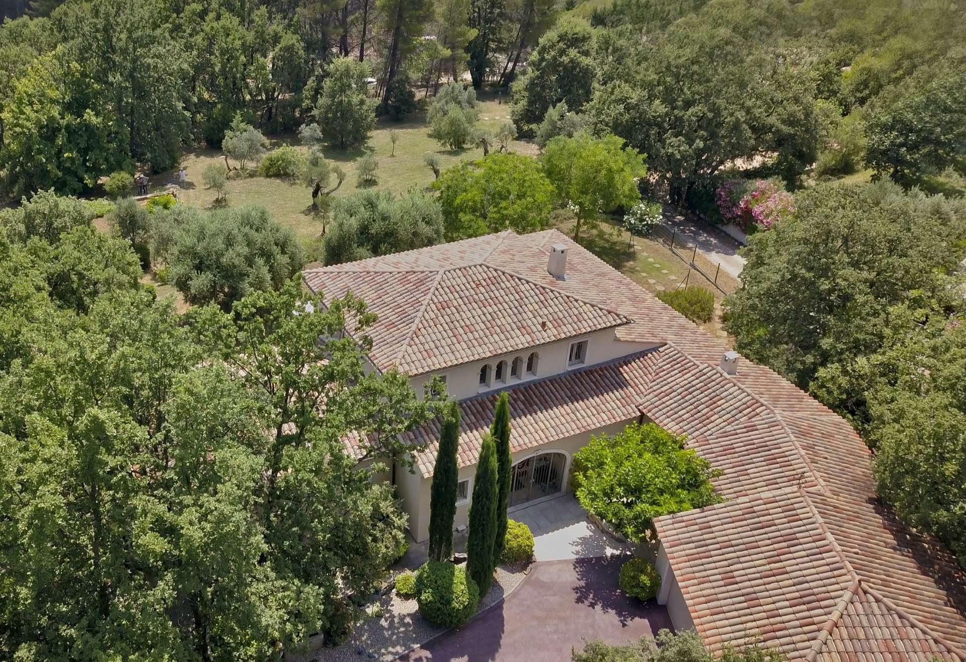 CHARMING PROPERTY WITH GUEST HOUSE AND PANORAMIC VIEW