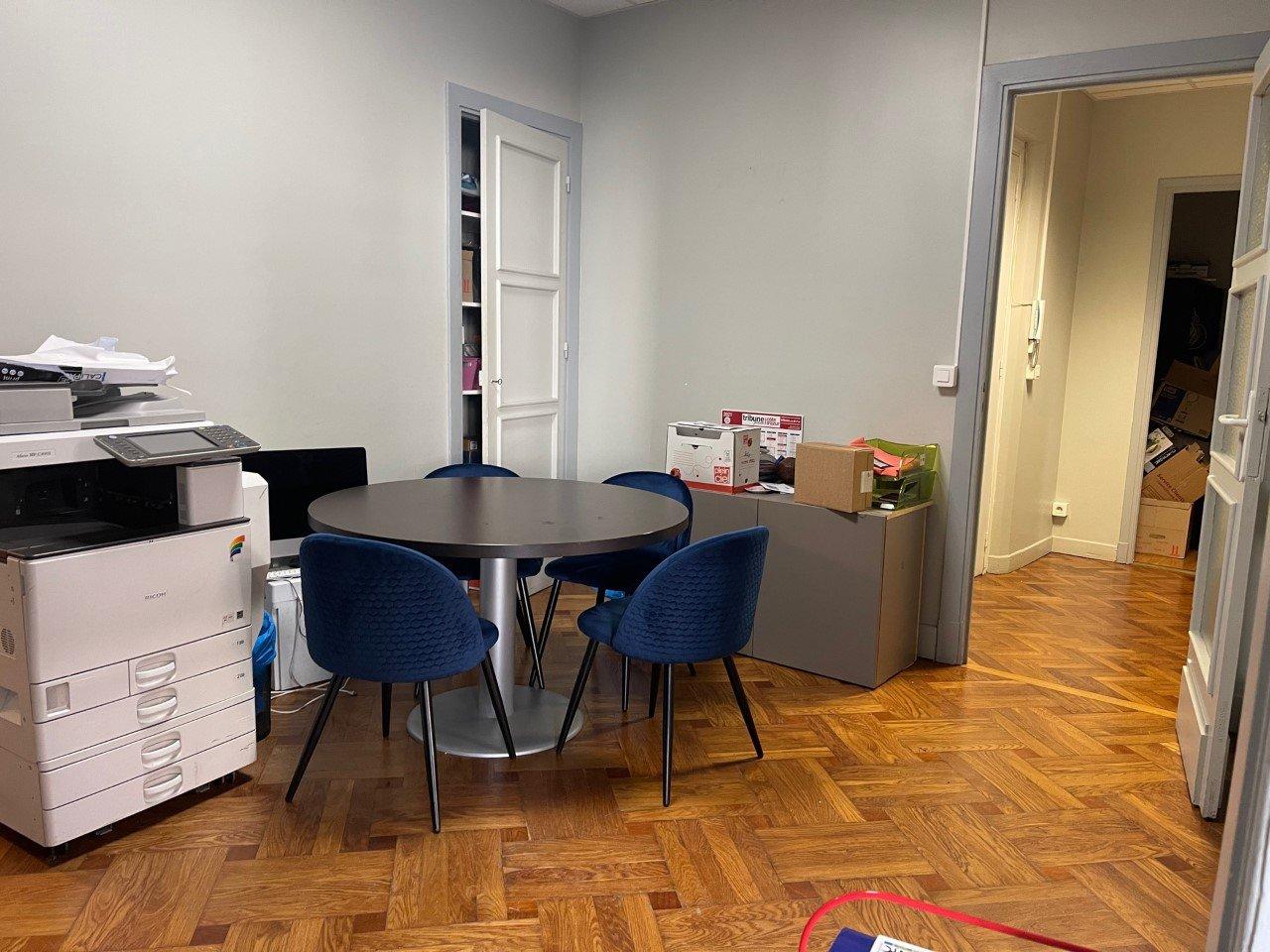 LOCATION PURE-BUREAU - 106 m² - NICE CARRE D'OR