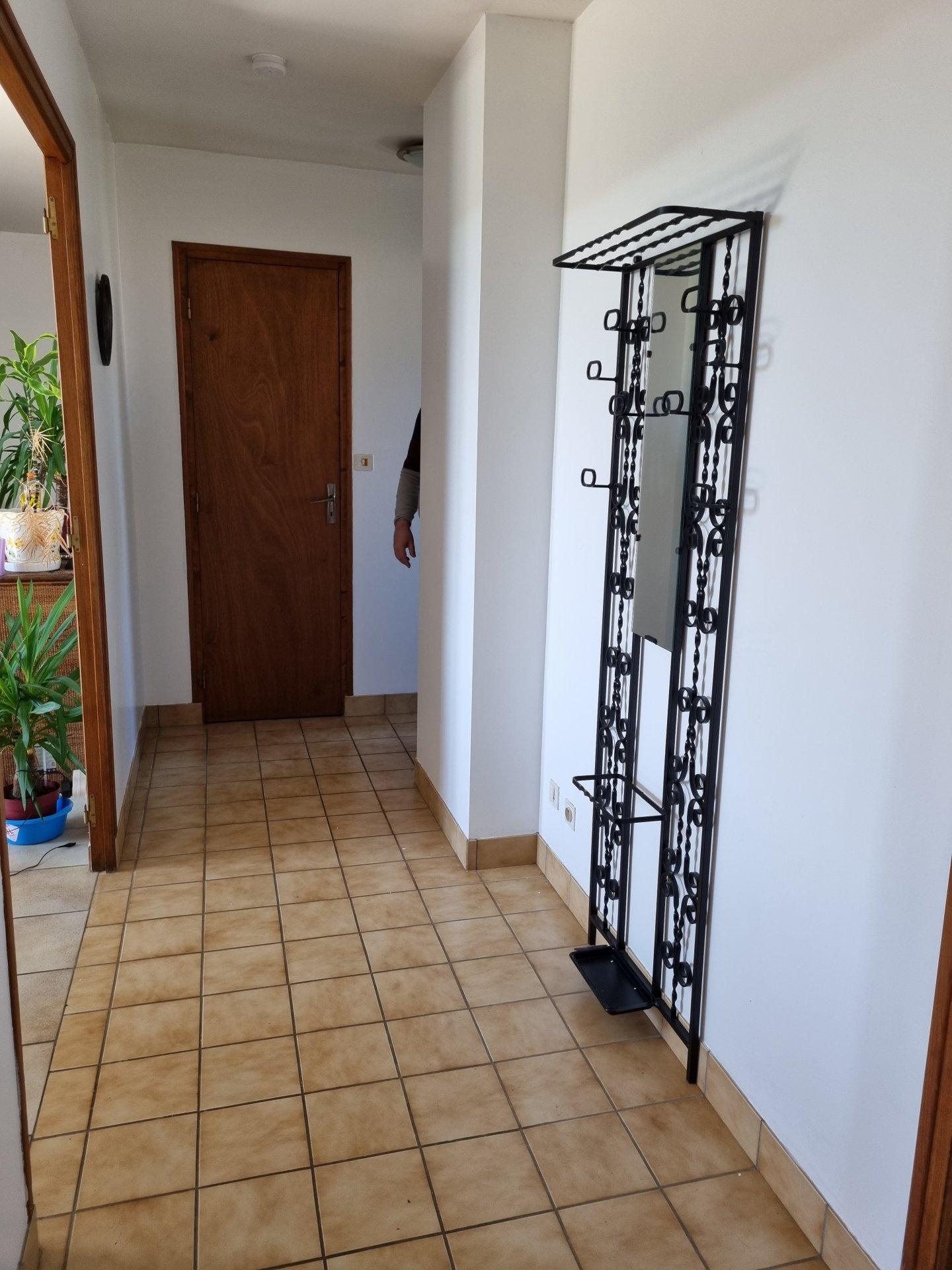 Appartement dans petite résidence avec vue et partie jardin