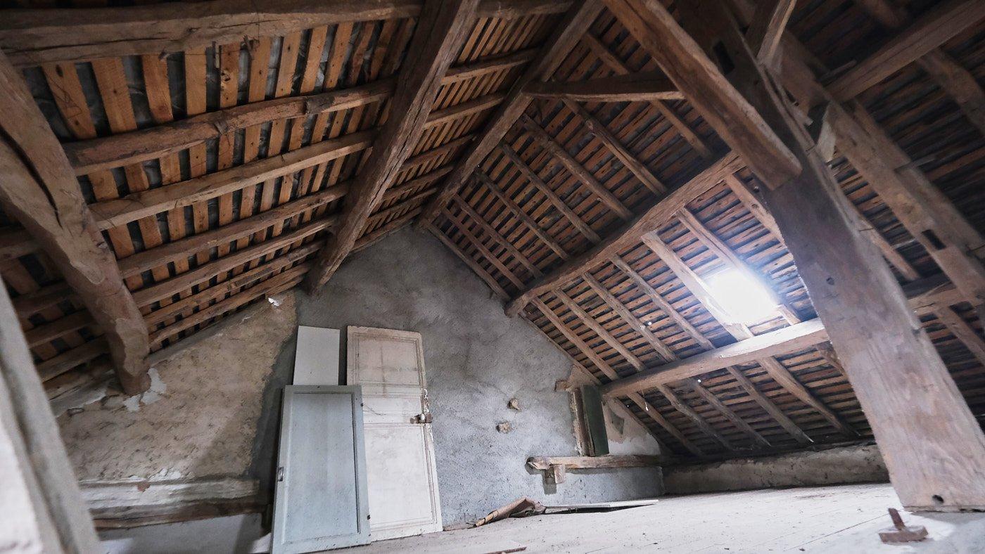 Groot te renoveren dorpshuis te koop in de Morvan