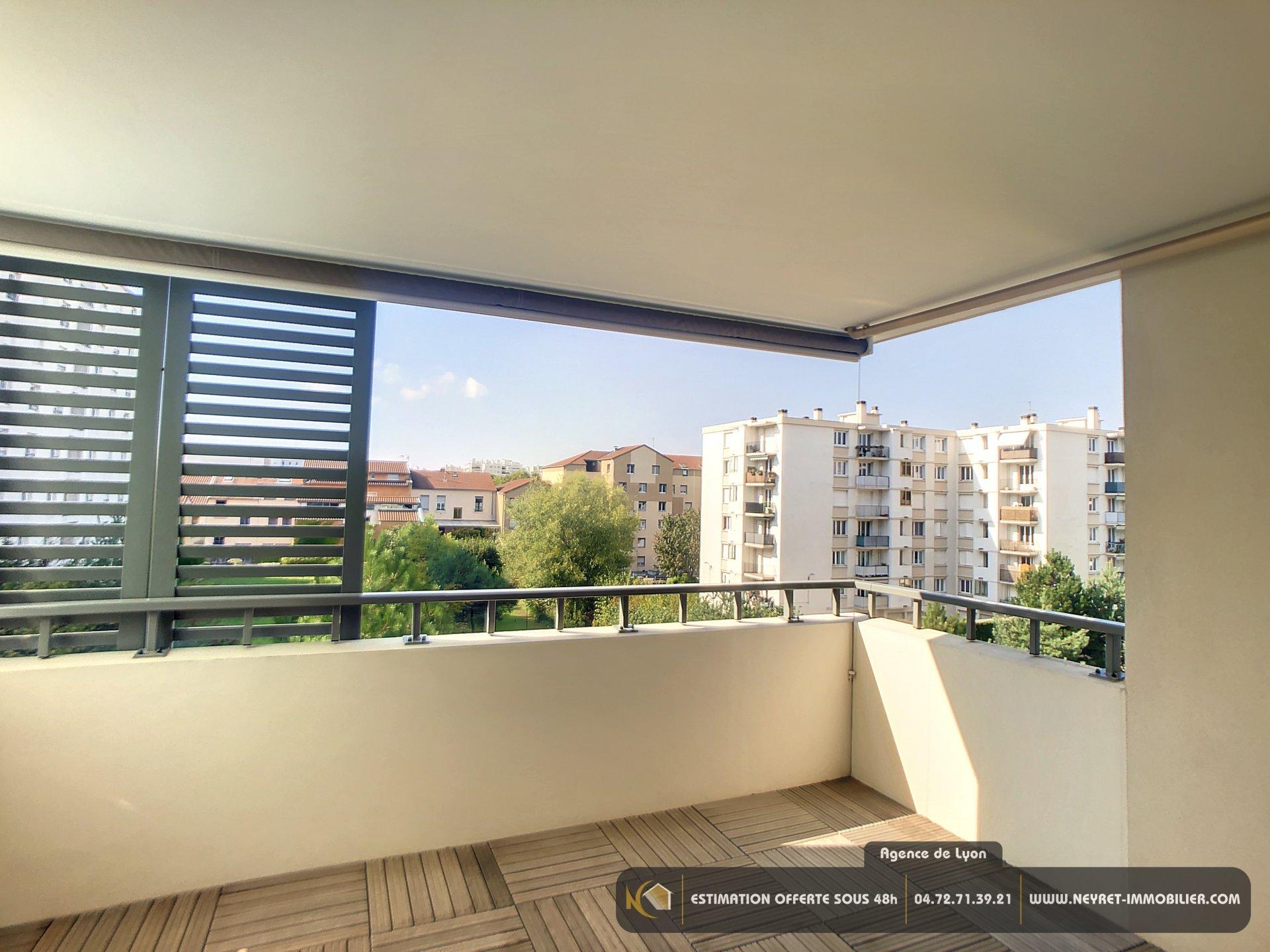 T4 Standing  grand balcon Secteur République 69100