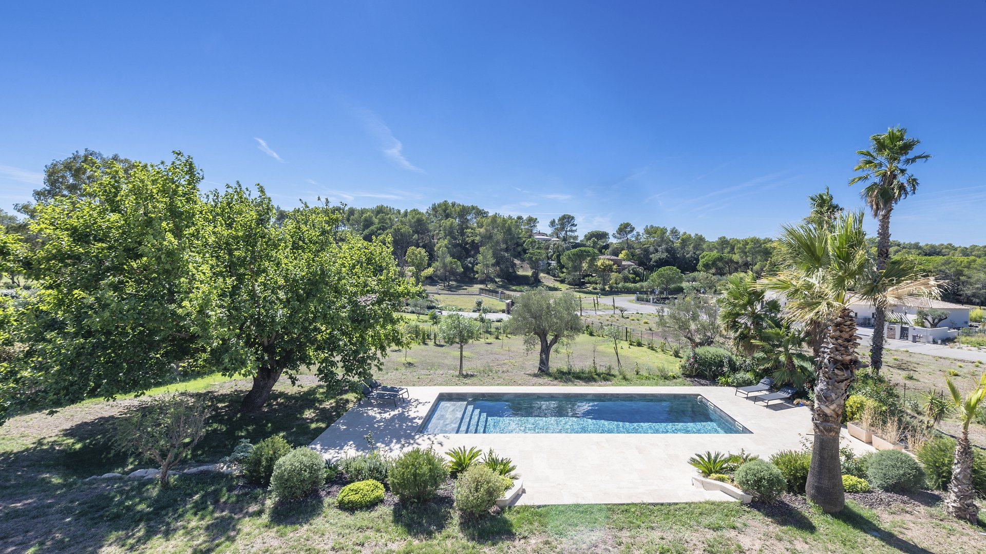 VILLA WITH POOL IN A RESIDENTIAL ESTATE AT PUGET SUR ARGENS
