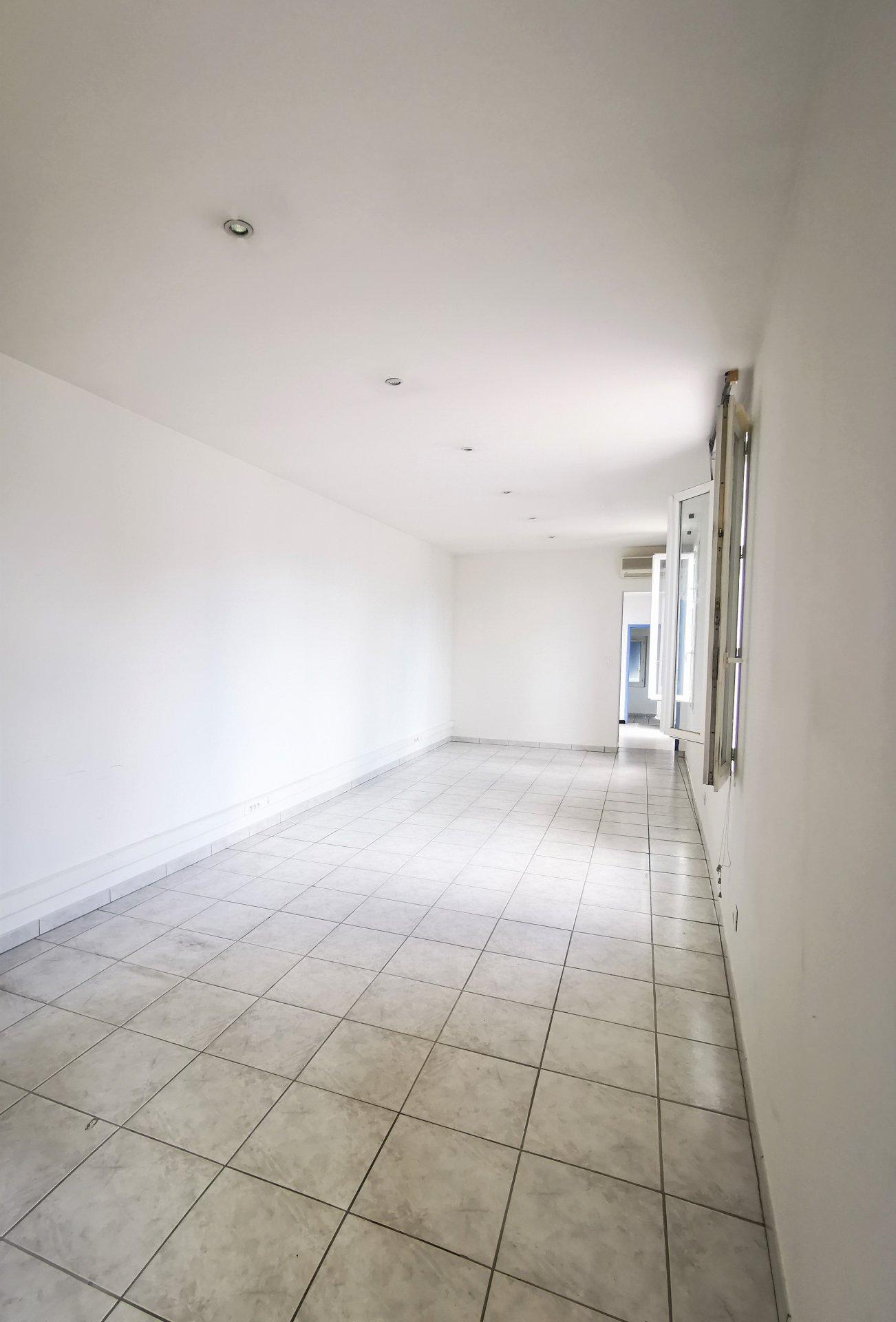 Bâtisse de 197 m²