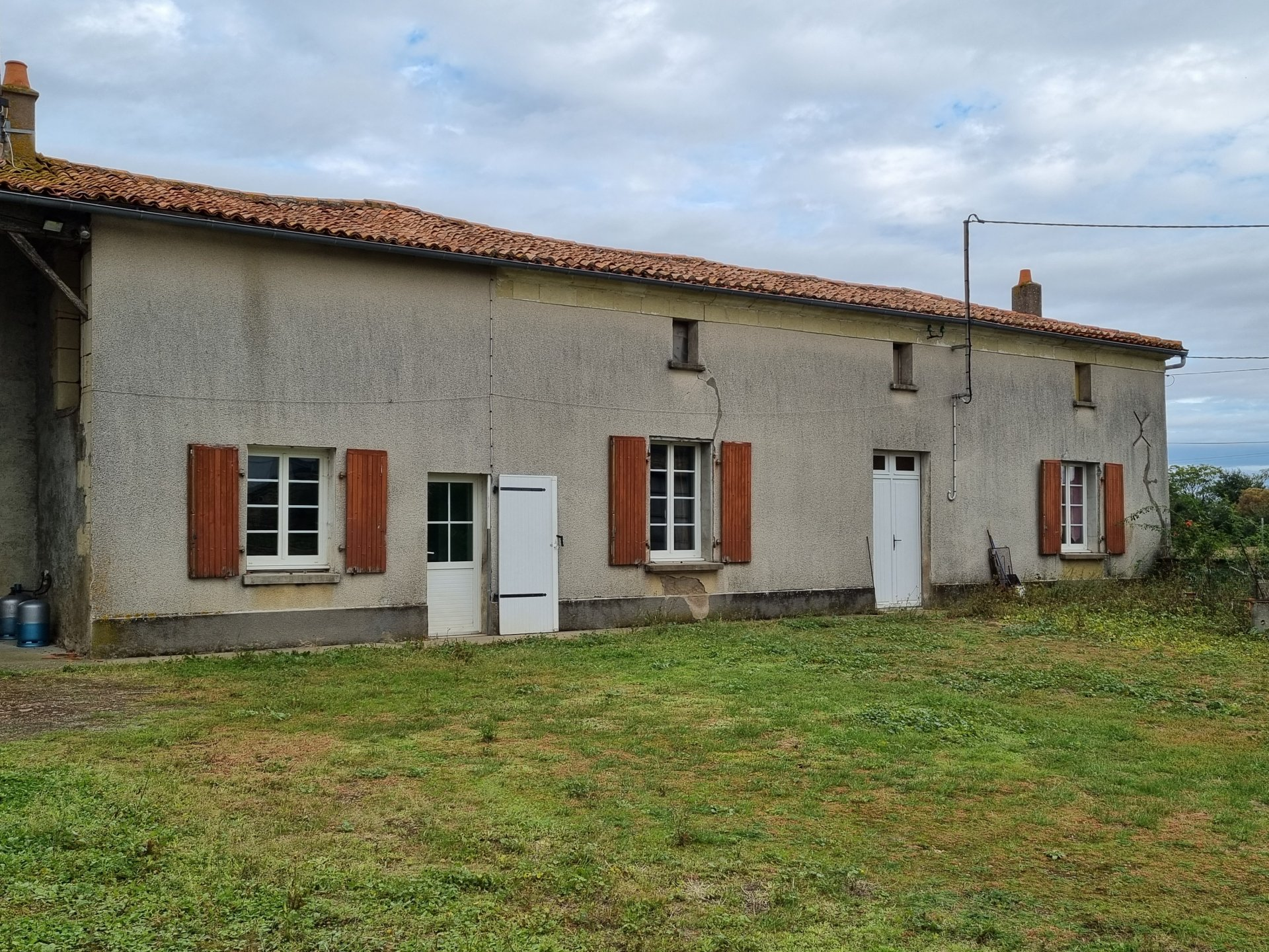Sale Farmhouse - Saint-Léger-de-Montbrun