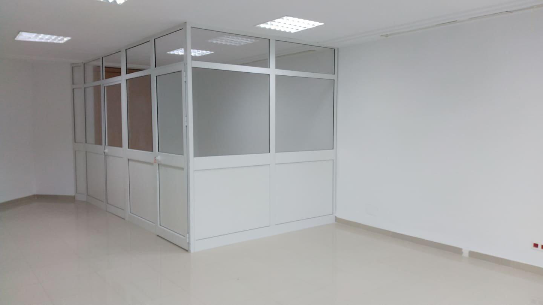 Location Bureau de 492 m² au Lac 1
