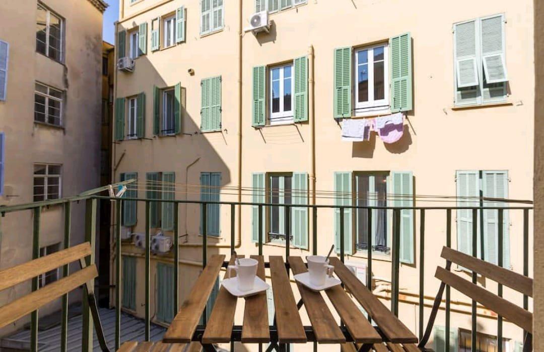 Vieux Nice - 3 pièces avec balcon - Idéal placement locatif !