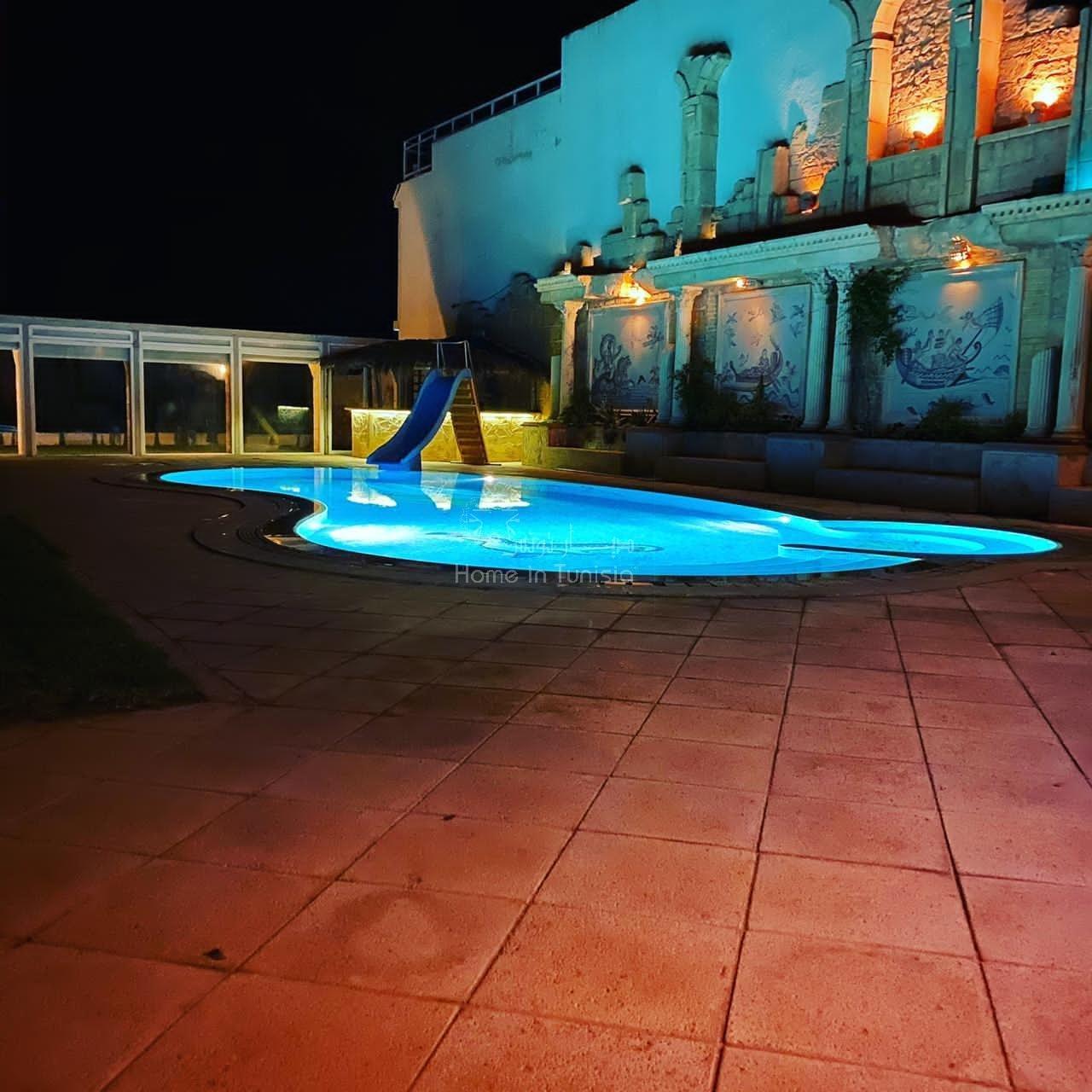 Prestigieuse villa pieds dans l'eau