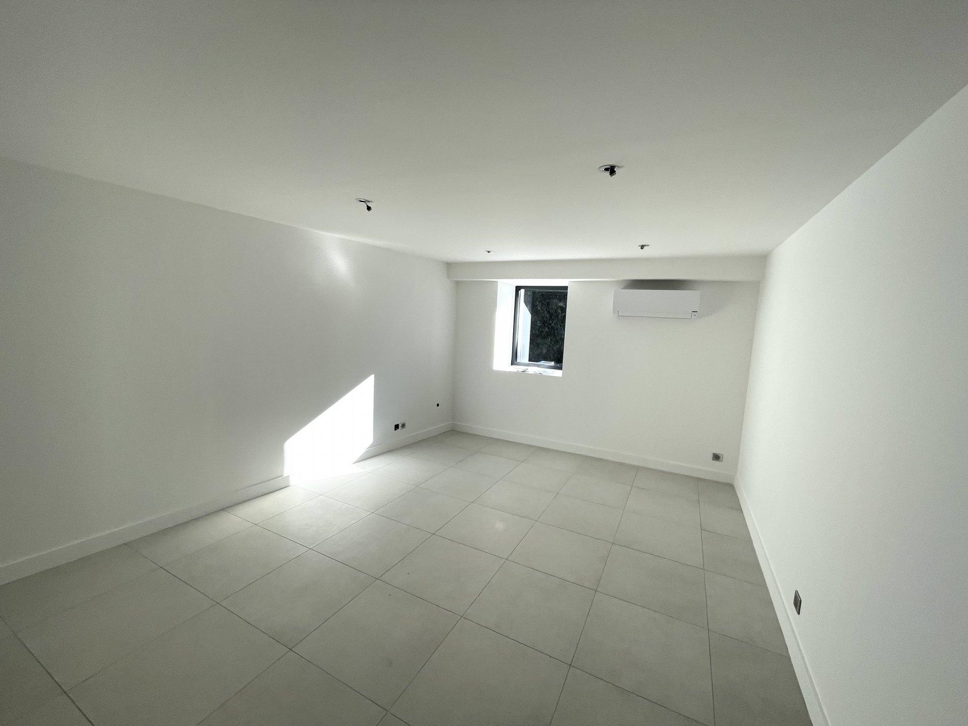 Local de 21 m² CENTRE VILLAGE