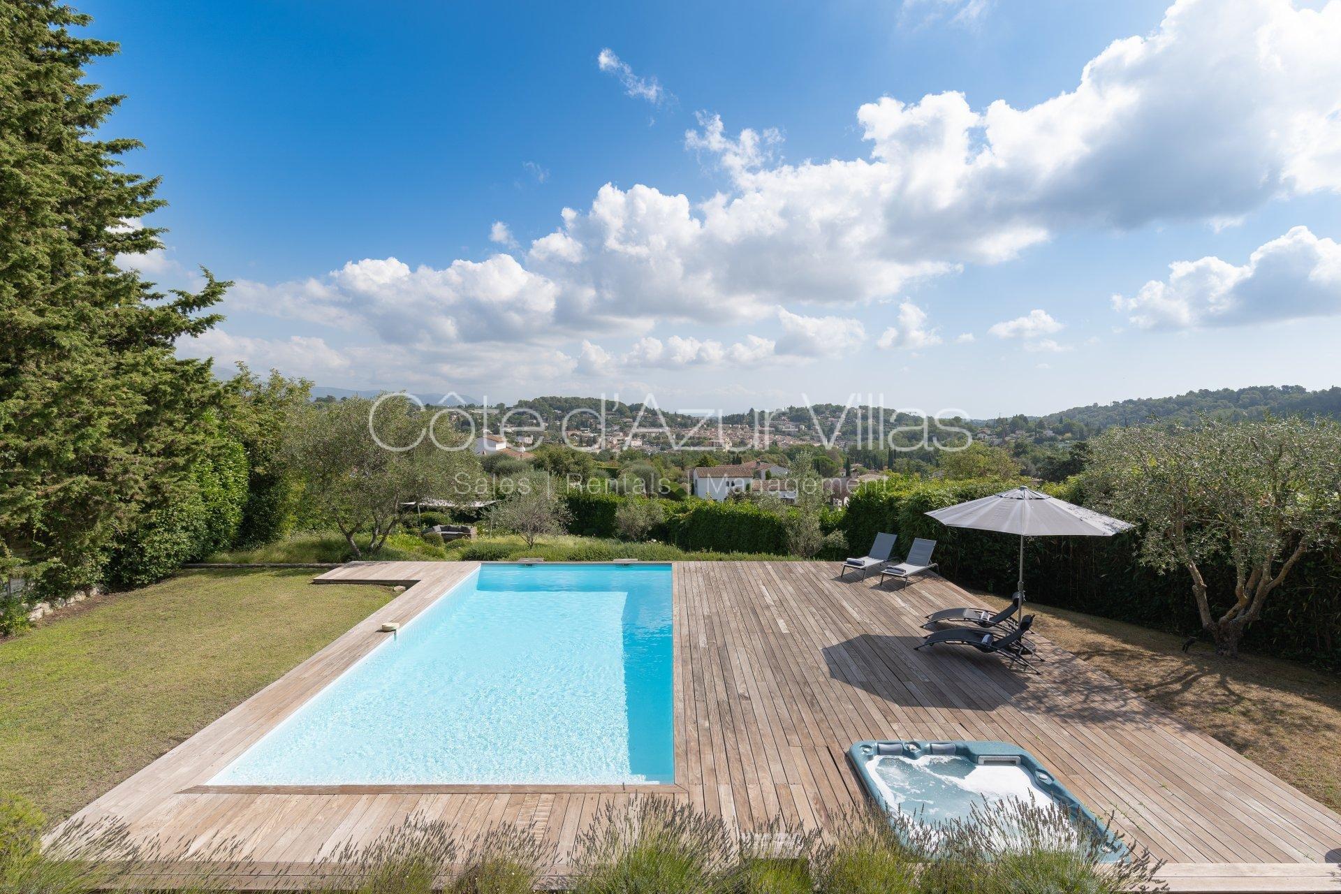 Belle villa contemporaine avec vues panoramiques sur le village et  les montagnes