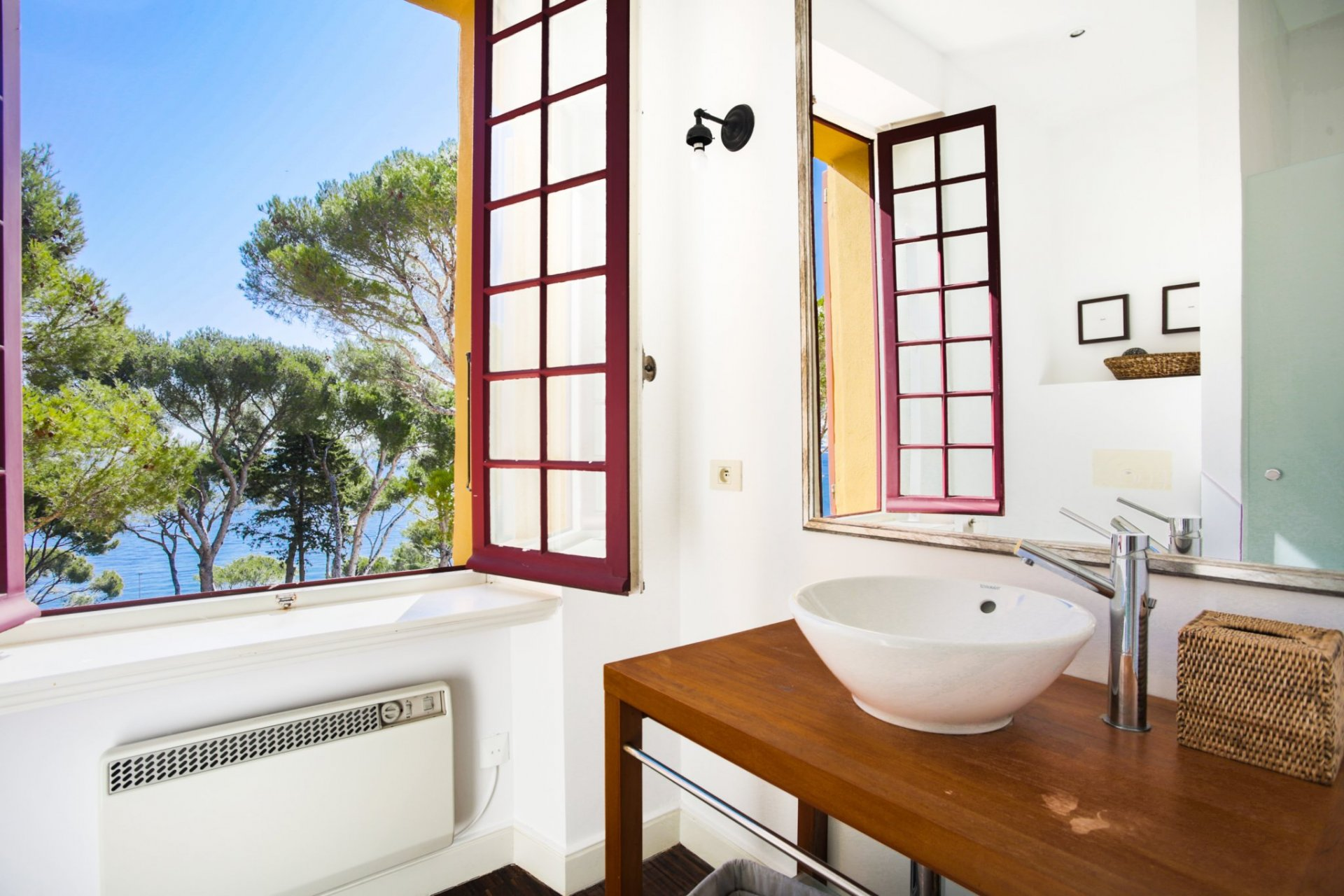 EXCEPTIONAL SEA VIEW PROPERTY AT  BETWEEN CANNES AND SAINT TROPEZ