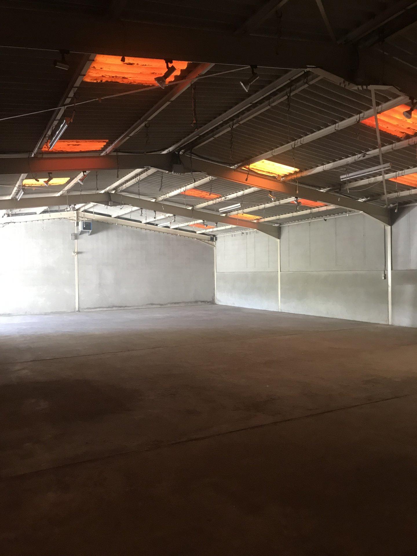 LOCAL D'ACTIVITE 295 m²