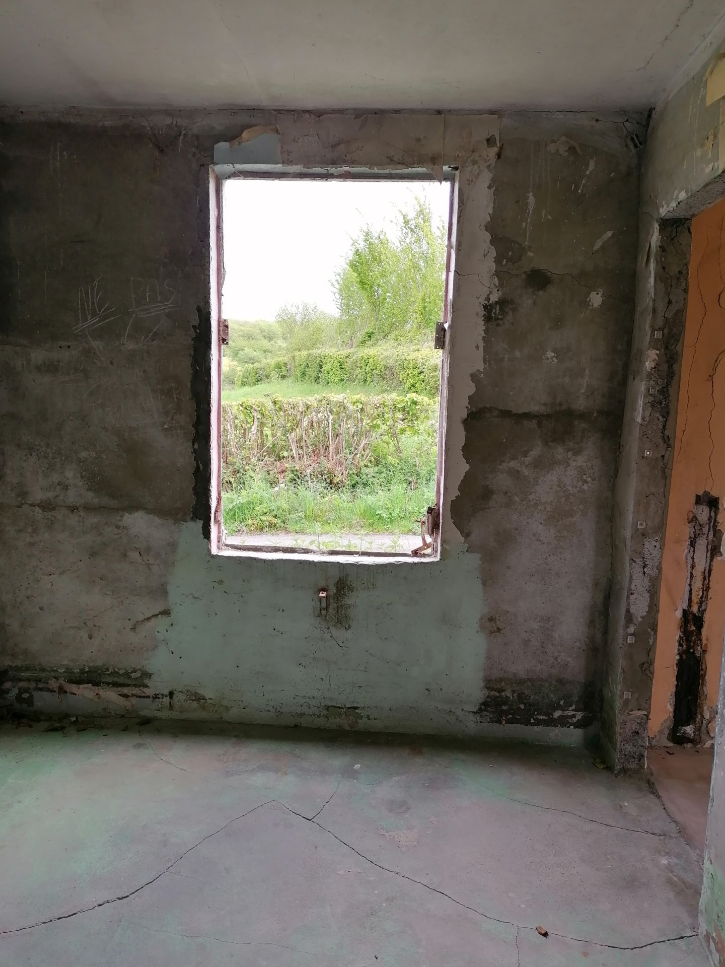Maison à rénover entièrement beau potentiel