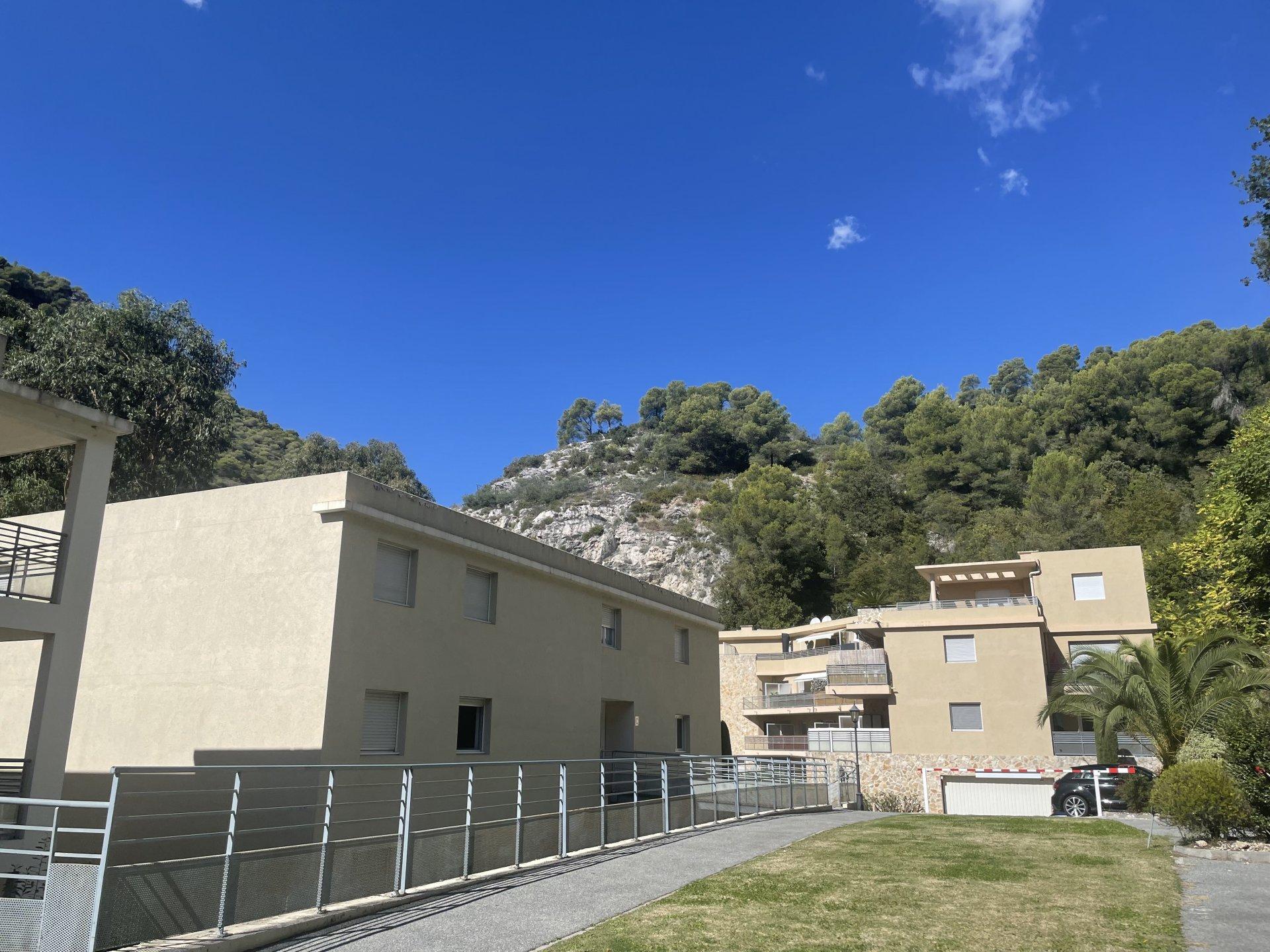 LOCATION MEUBLEE STUDIO SAINT ANDRE DE LA ROCHE