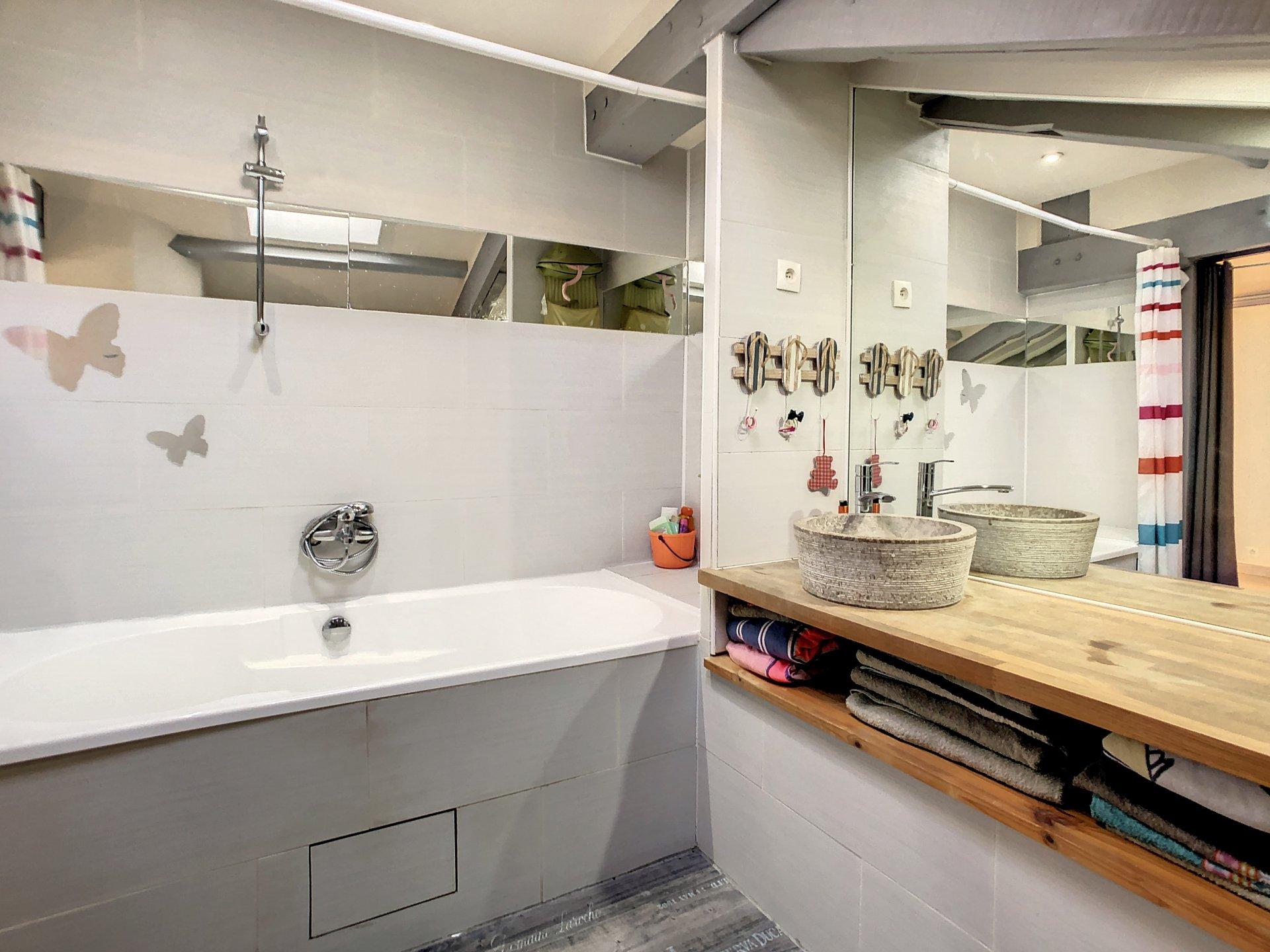 La Roquette sur Siagne: Villa + appartement 2/3P