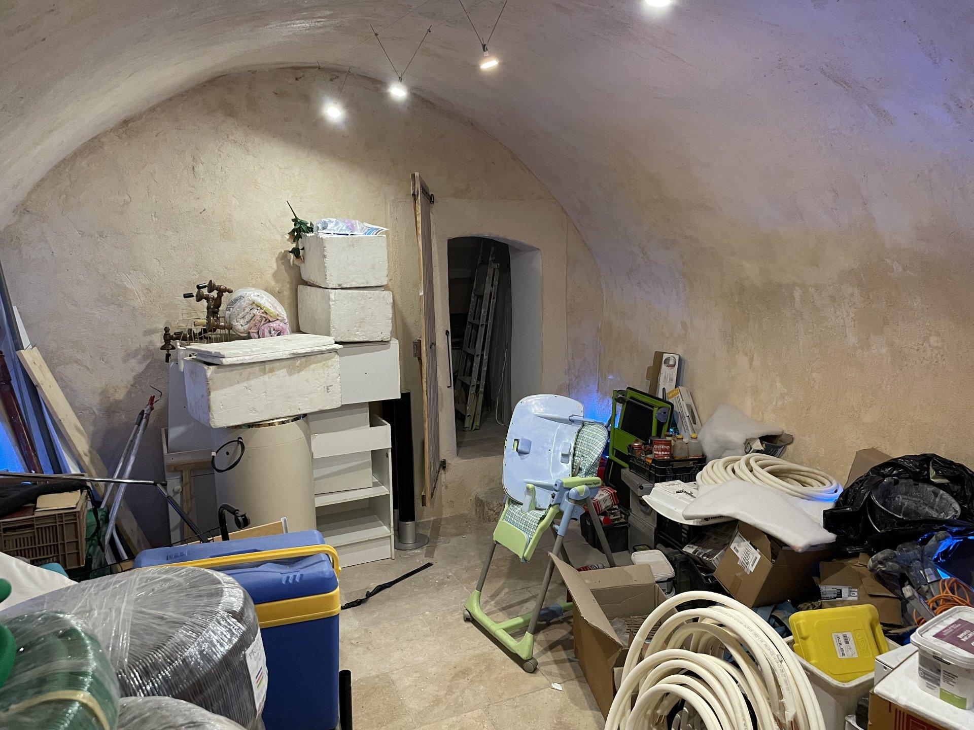 Bureau + cave 44 m²