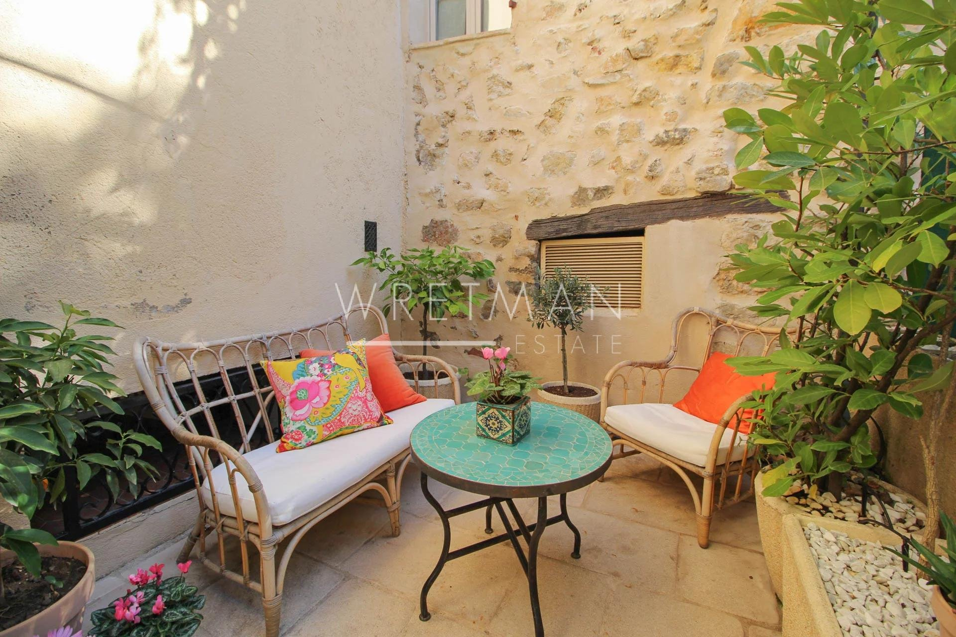 Village house with terrace - Fayence
